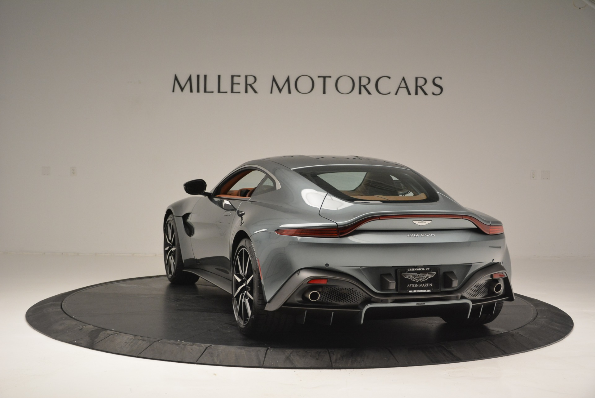 New 2019 Aston Martin Vantage Coupe For Sale In Greenwich, CT 2515_p5