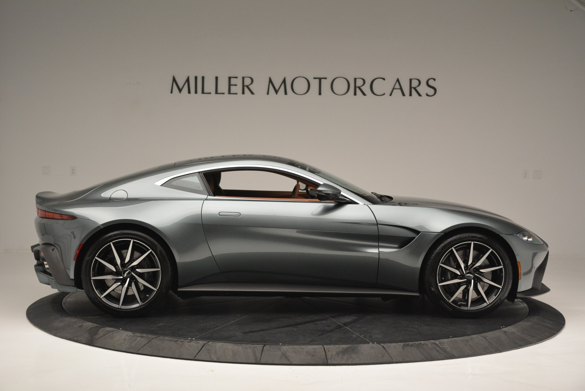 New 2019 Aston Martin Vantage Coupe For Sale In Greenwich, CT 2515_p9