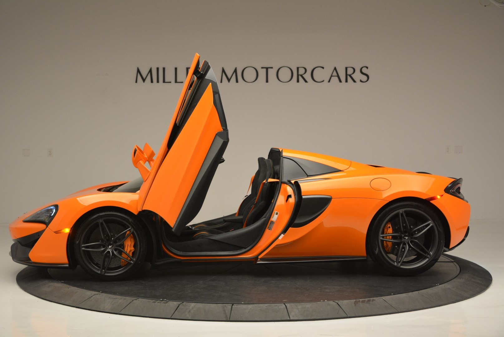 New 2019 McLaren 570S Spider Convertible For Sale In Greenwich, CT 2520_p15