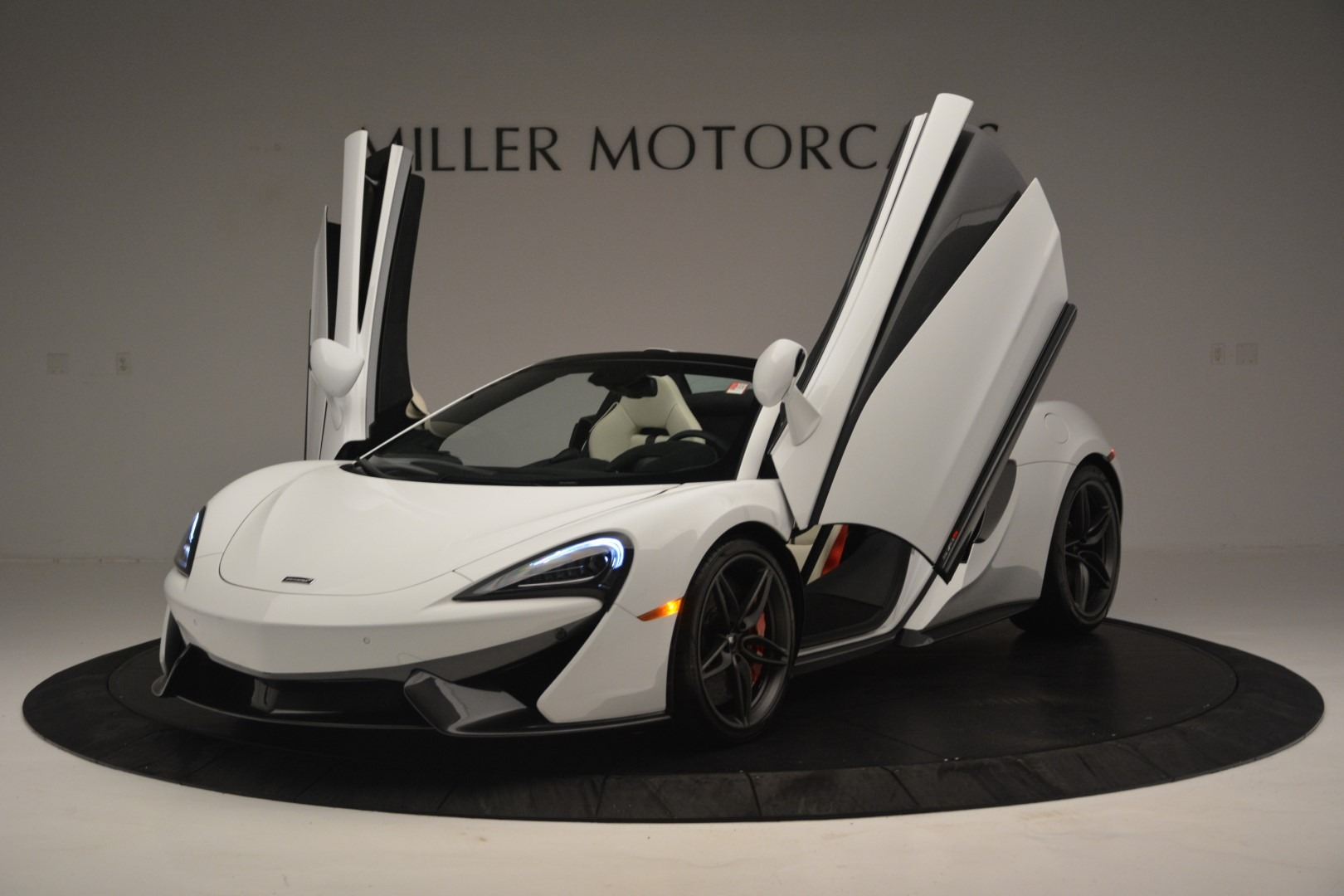 New 2019 McLaren 570S Spider Convertible For Sale In Greenwich, CT 2523_p14