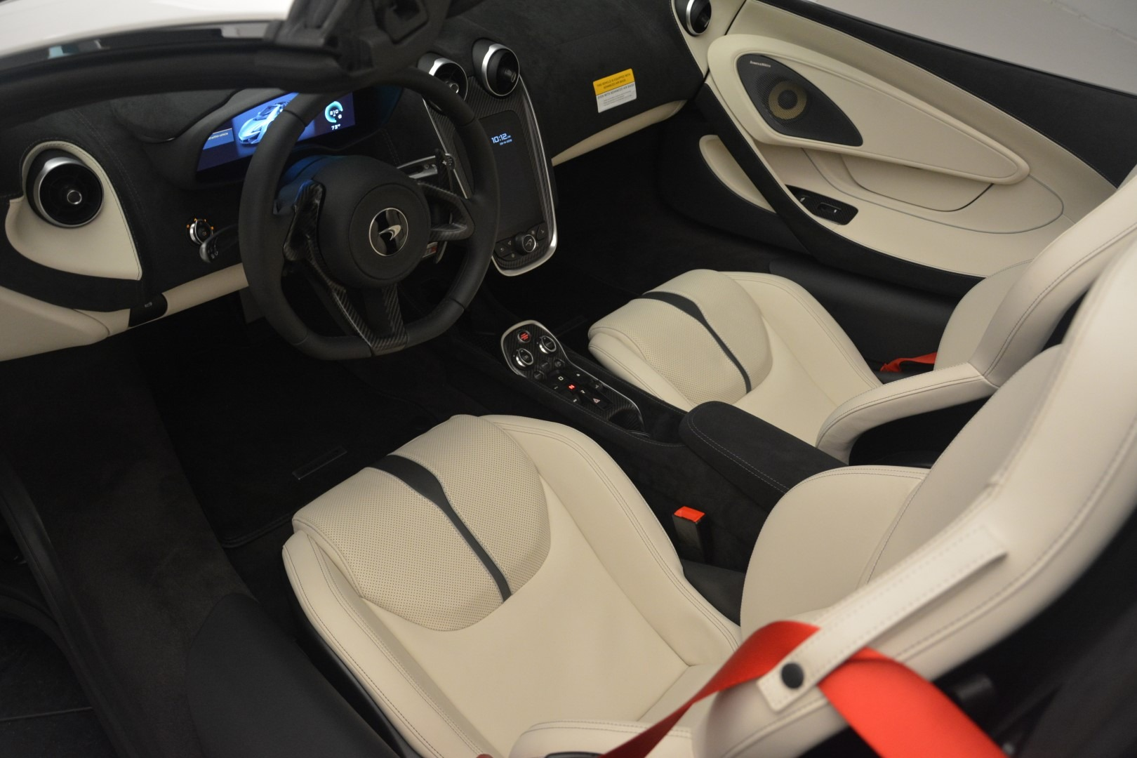 New 2019 McLaren 570S Spider Convertible For Sale In Greenwich, CT 2523_p23