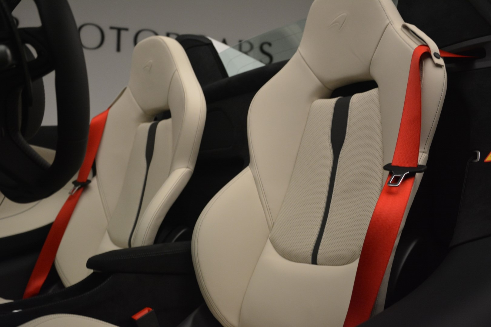 New 2019 McLaren 570S Spider Convertible For Sale In Greenwich, CT 2523_p25