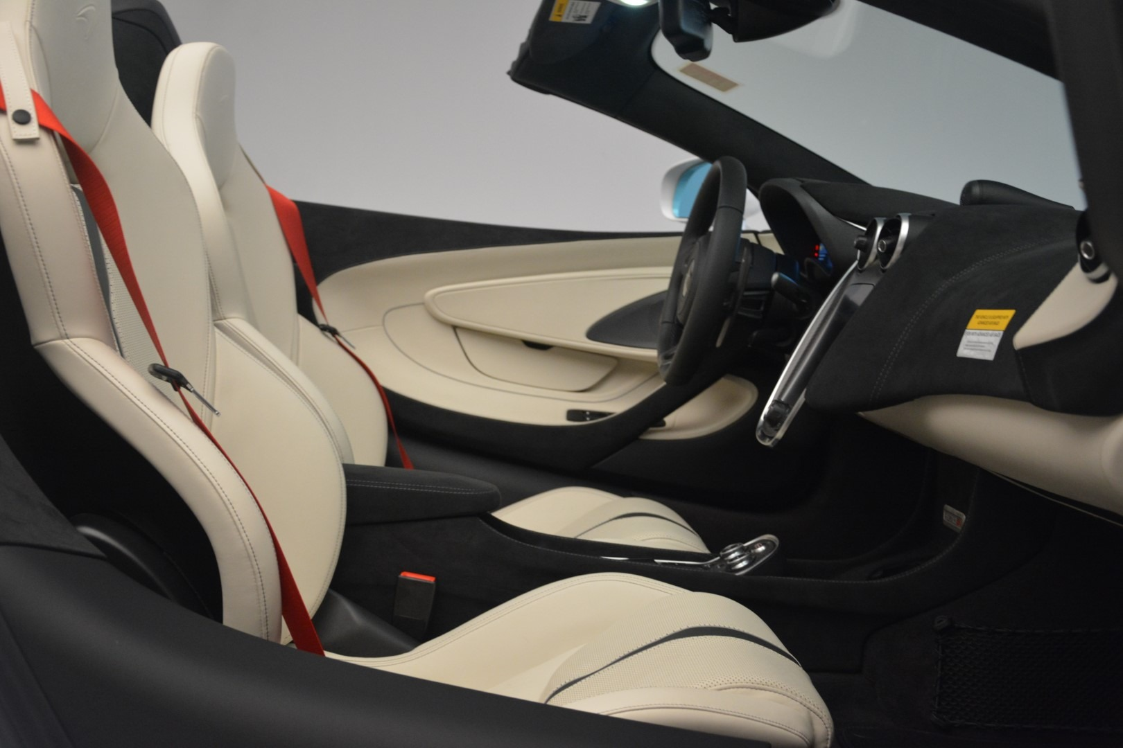New 2019 McLaren 570S Spider Convertible For Sale In Greenwich, CT 2523_p27