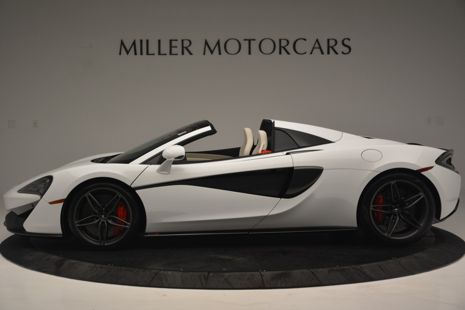 New 2019 McLaren 570S Spider Convertible For Sale In Greenwich, CT 2523_p3