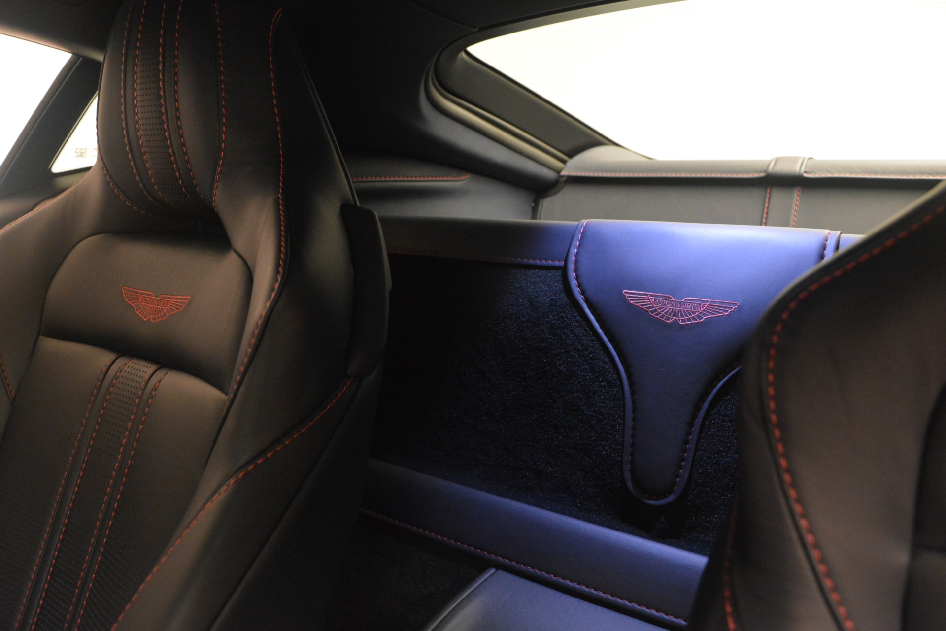 New 2019 Aston Martin Vantage V8 For Sale In Greenwich, CT 2527_p16