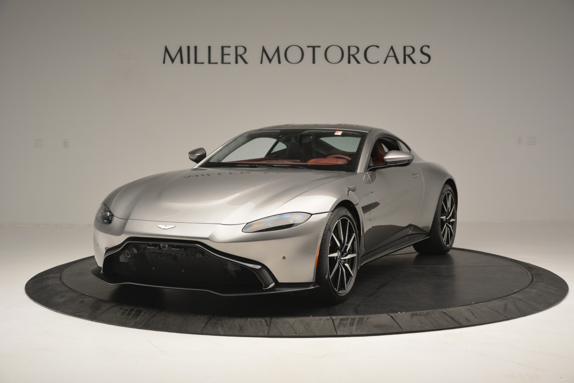 New 2019 Aston Martin Vantage  For Sale In Greenwich, CT 2528_main