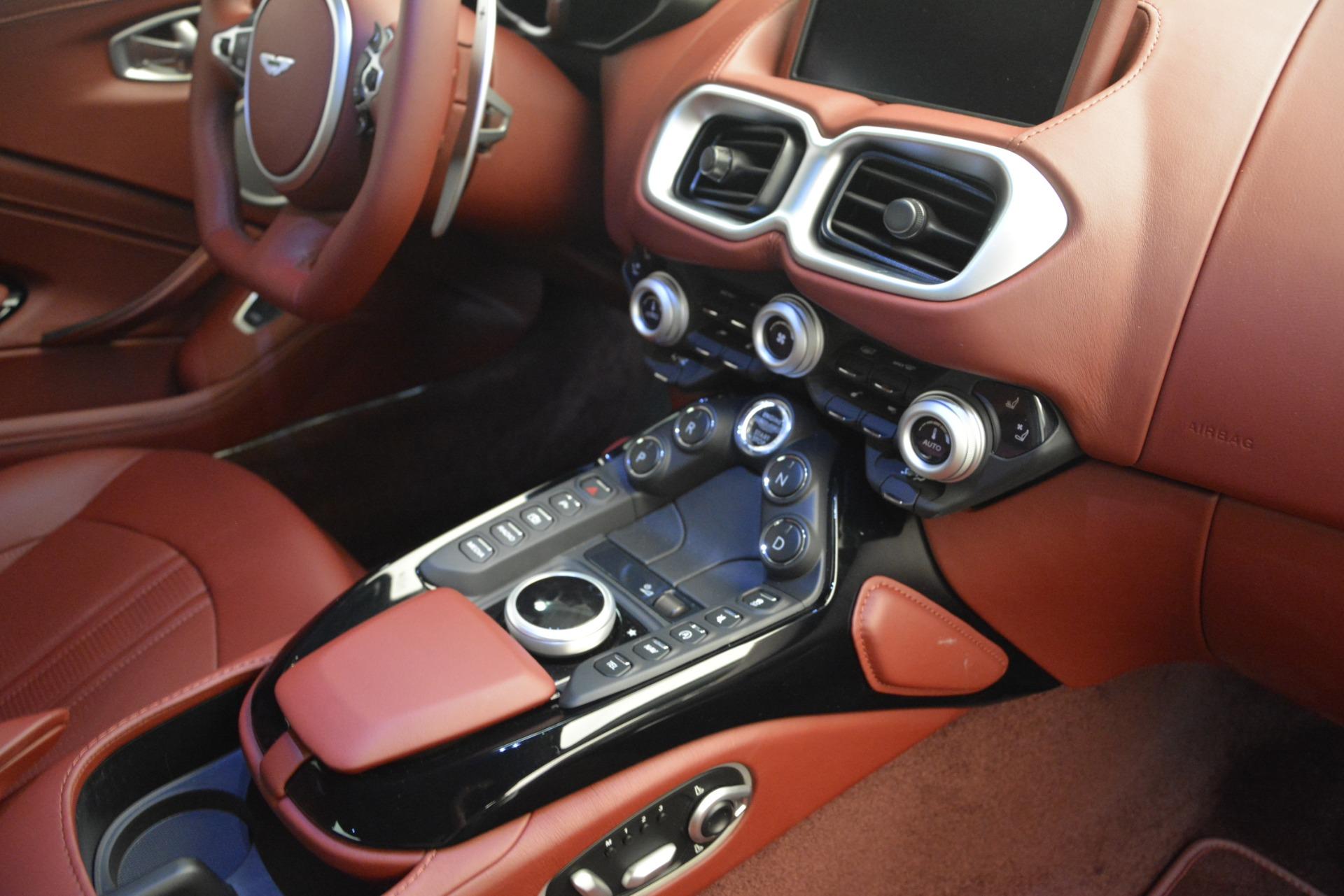 New 2019 Aston Martin Vantage  For Sale In Greenwich, CT 2528_p17