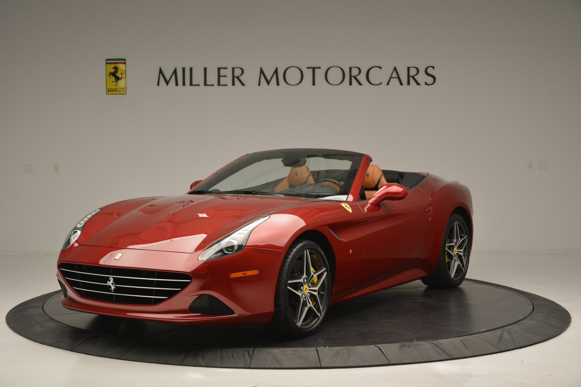 Used 2016 Ferrari California T  For Sale In Greenwich, CT 2534_main