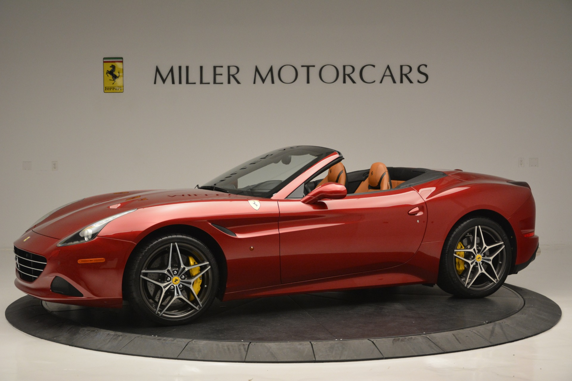 Used 2016 Ferrari California T  For Sale In Greenwich, CT 2534_p2