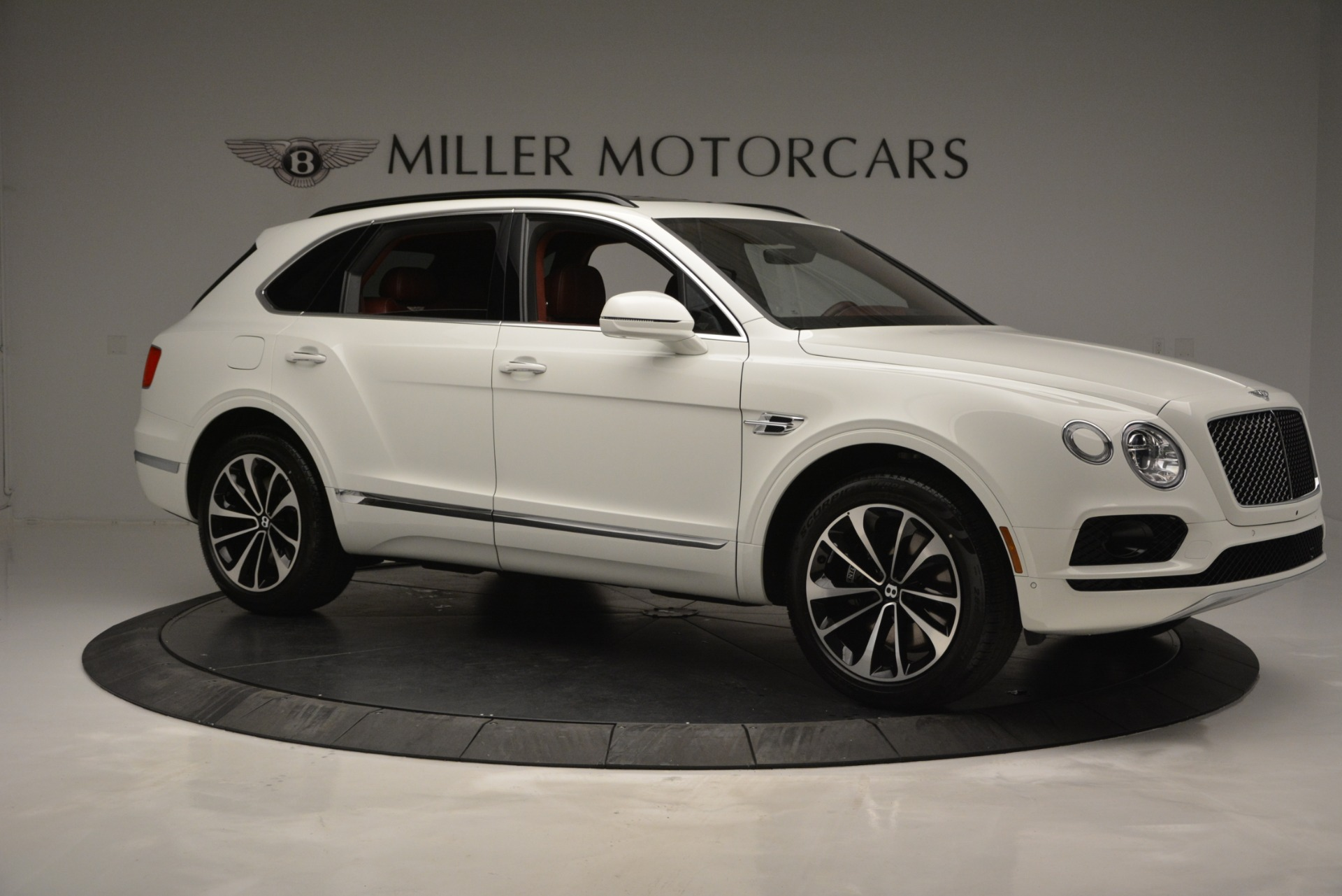 New 2019 Bentley Bentayga V8 For Sale In Greenwich, CT 2535_p10