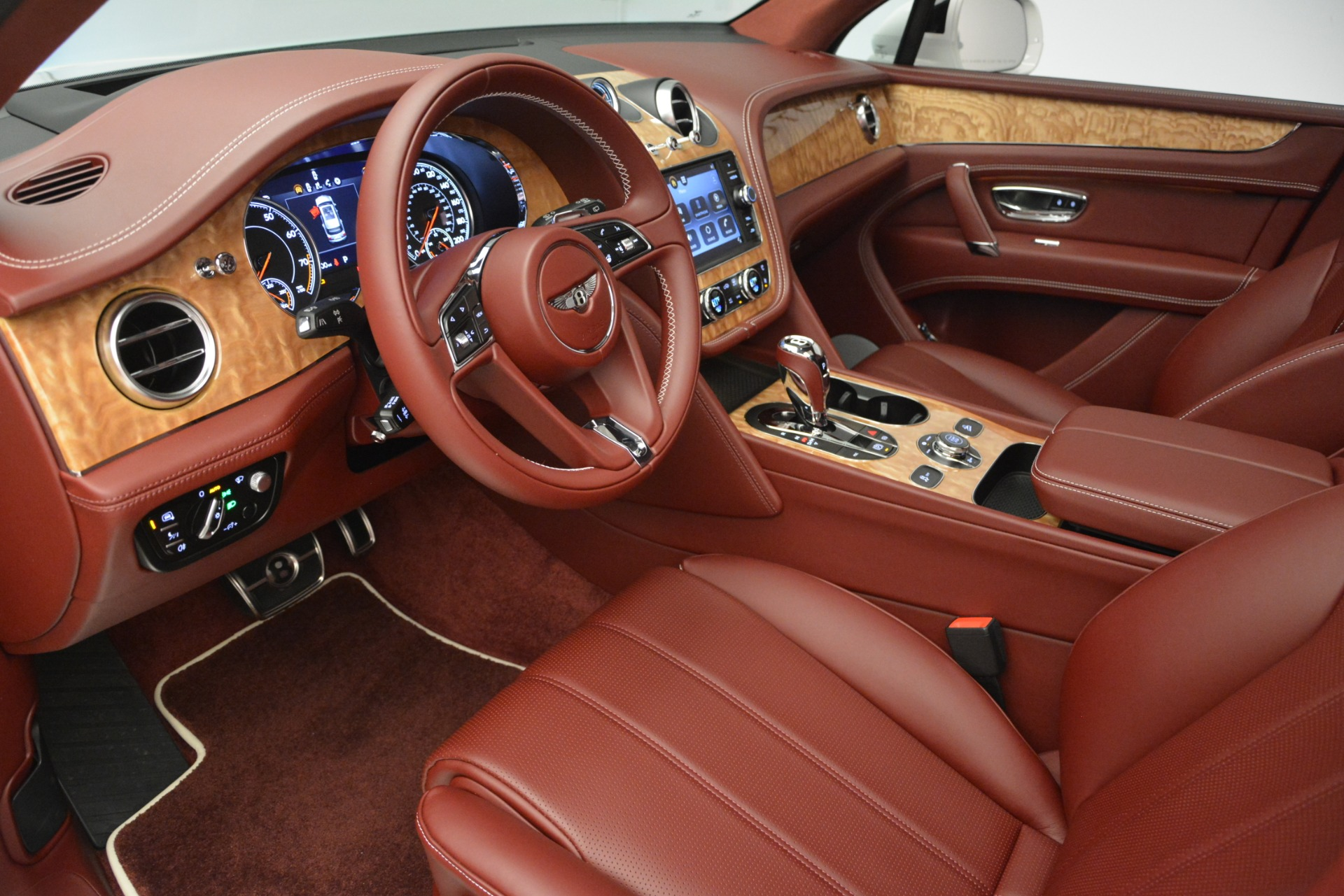 New 2019 Bentley Bentayga V8 For Sale In Greenwich, CT 2535_p17