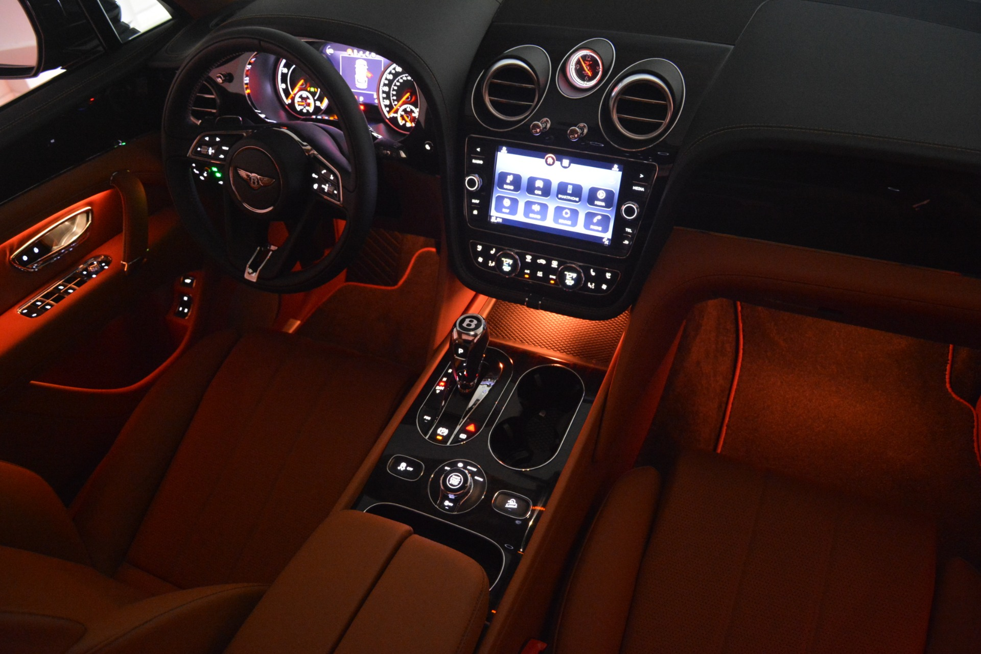 New 2019 Bentley Bentayga V8 For Sale In Greenwich, CT 2537_p30