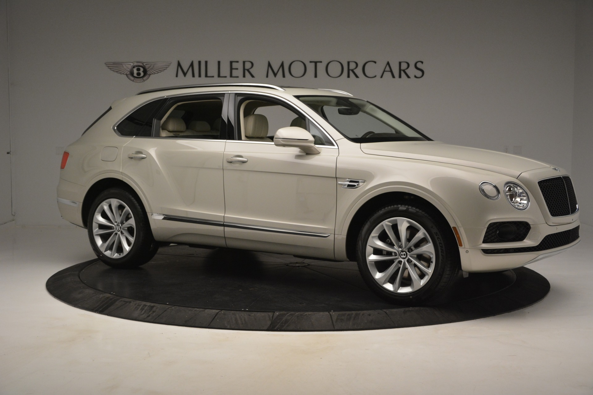 New 2019 Bentley Bentayga V8 For Sale In Greenwich, CT 2538_p10