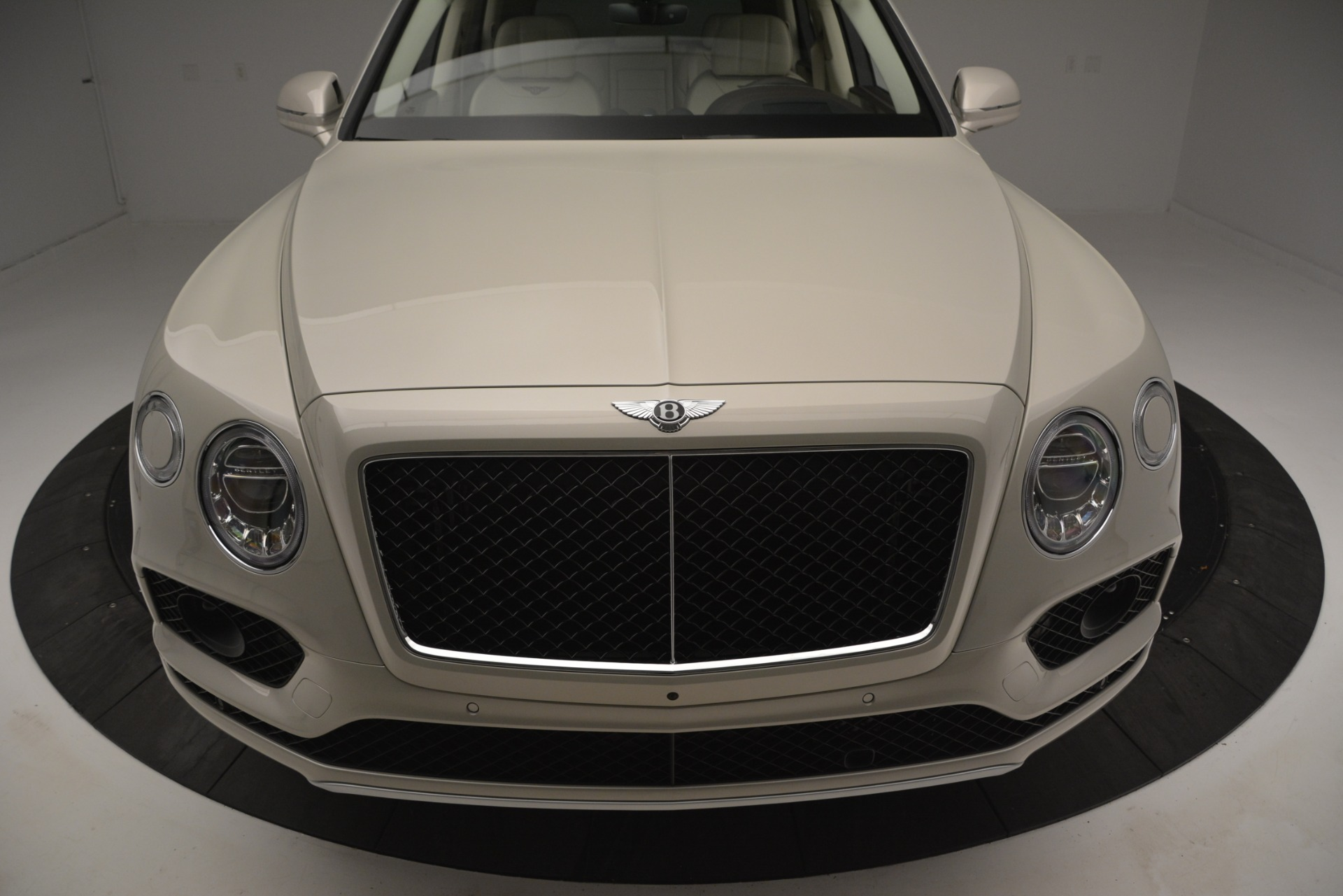 New 2019 Bentley Bentayga V8 For Sale In Greenwich, CT 2538_p13