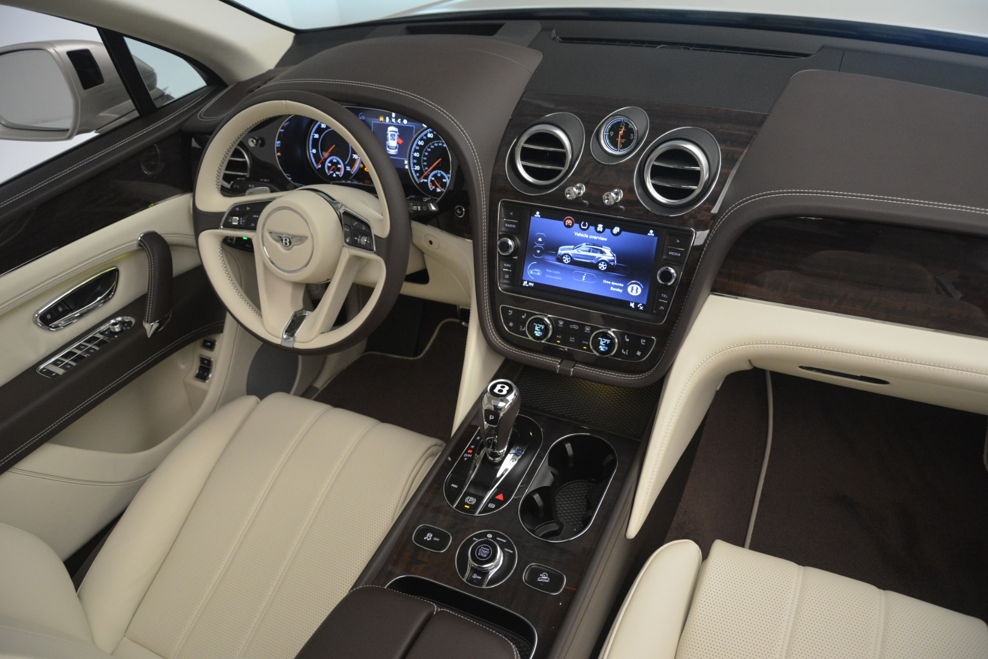 New 2019 Bentley Bentayga V8 For Sale In Greenwich, CT 2538_p30