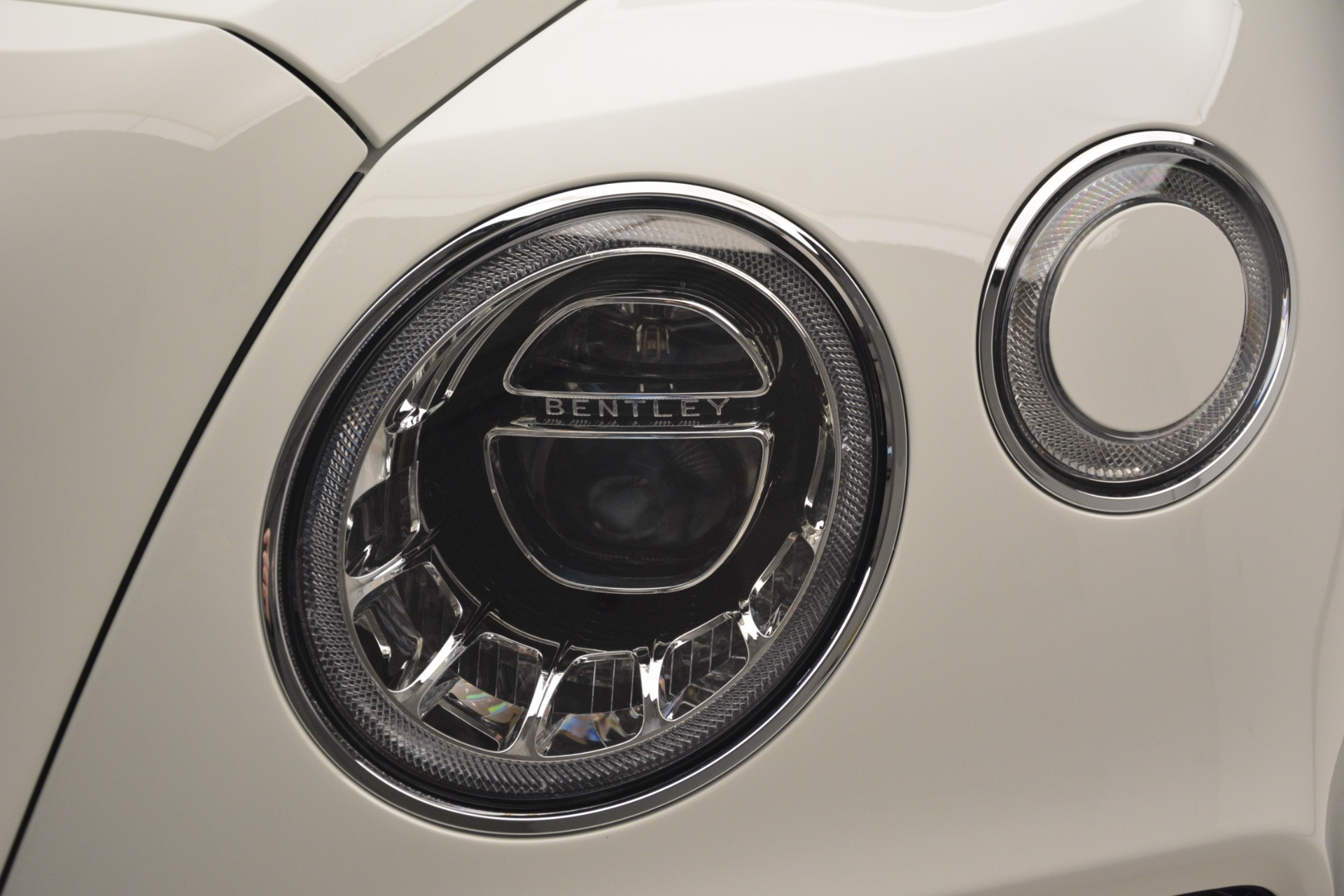 New 2019 Bentley Bentayga V8 For Sale In Greenwich, CT 2539_p16