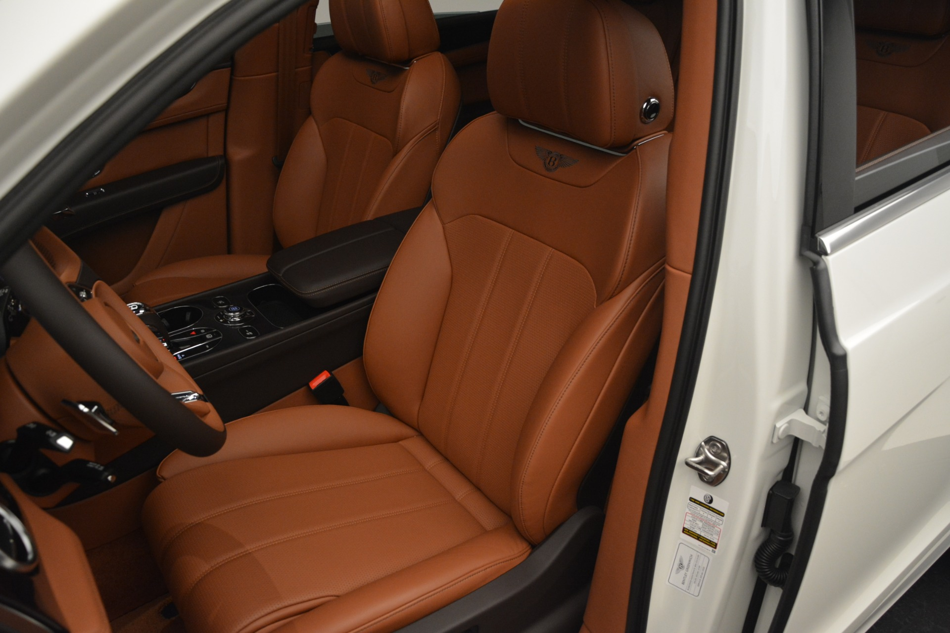 New 2019 Bentley Bentayga V8 For Sale In Greenwich, CT 2539_p20