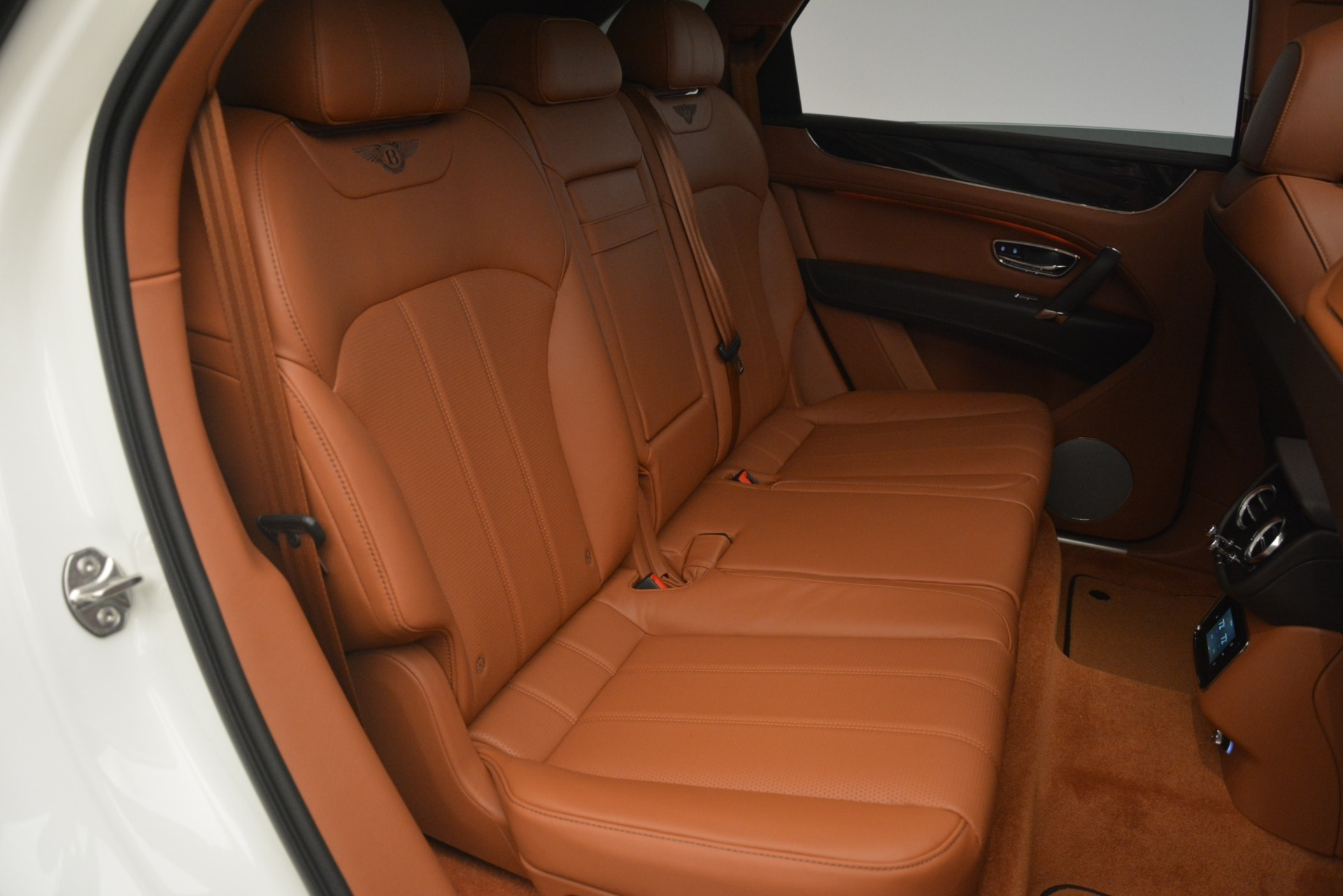 New 2019 Bentley Bentayga V8 For Sale In Greenwich, CT 2539_p25