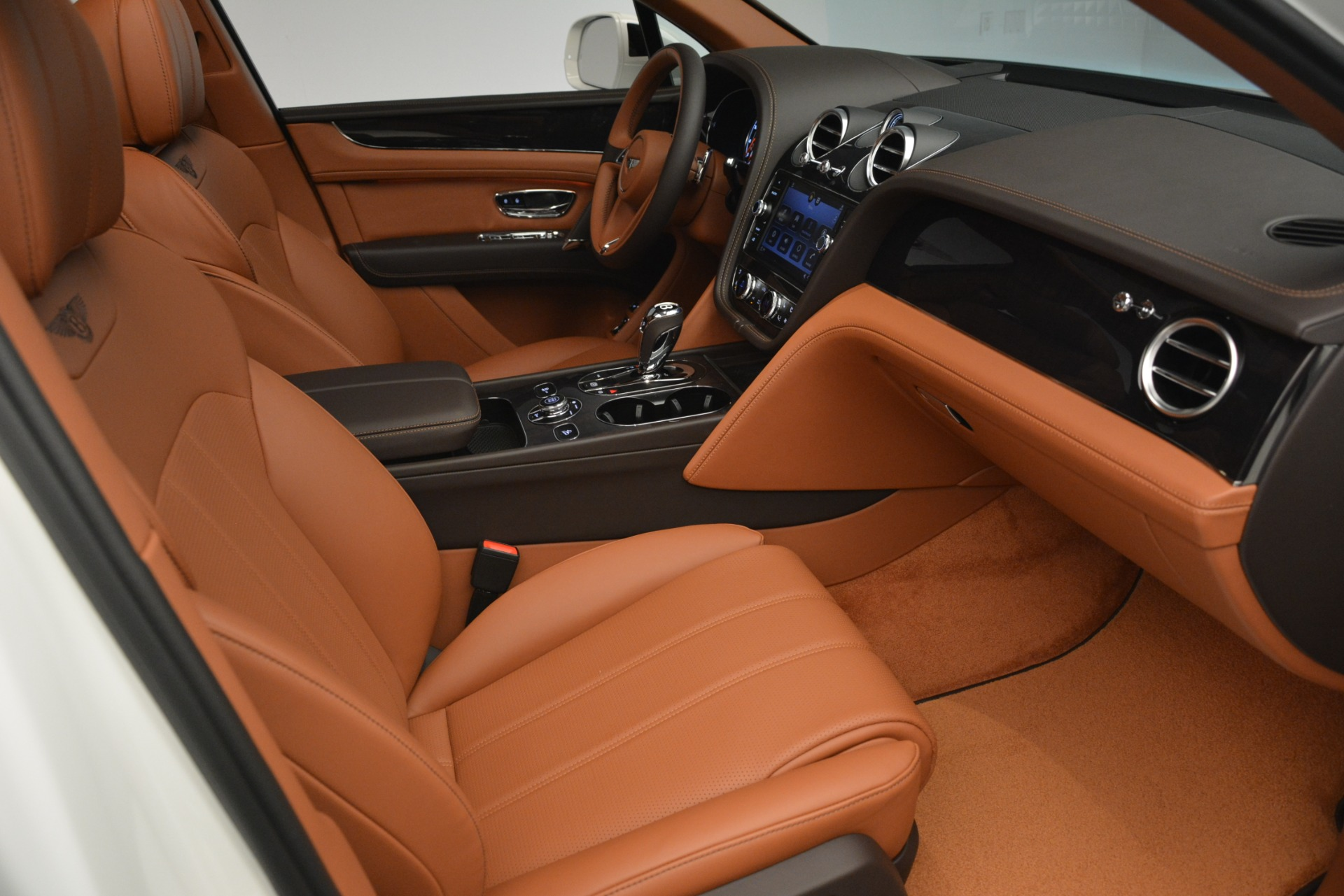 New 2019 Bentley Bentayga V8 For Sale In Greenwich, CT 2539_p27