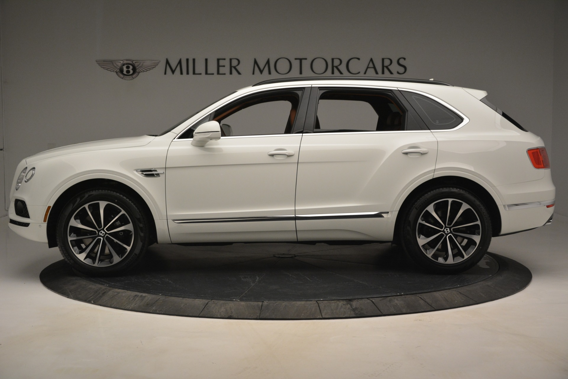 New 2019 Bentley Bentayga V8 For Sale In Greenwich, CT 2539_p3