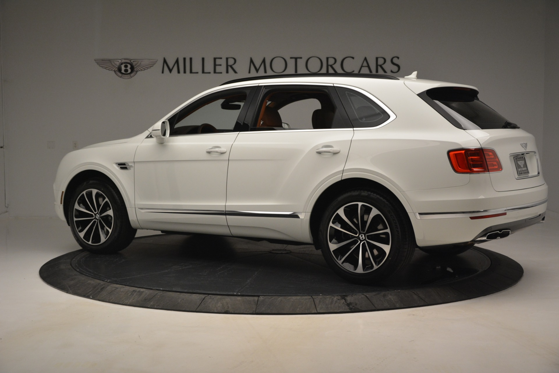 New 2019 Bentley Bentayga V8 For Sale In Greenwich, CT 2539_p4