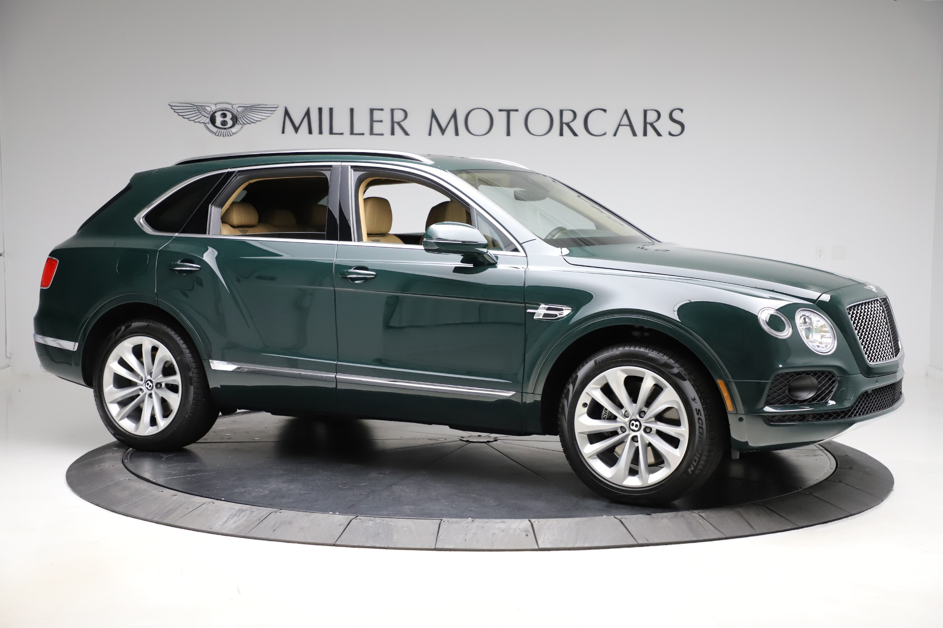 New 2019 Bentley Bentayga V8 For Sale In Greenwich, CT 2541_p10