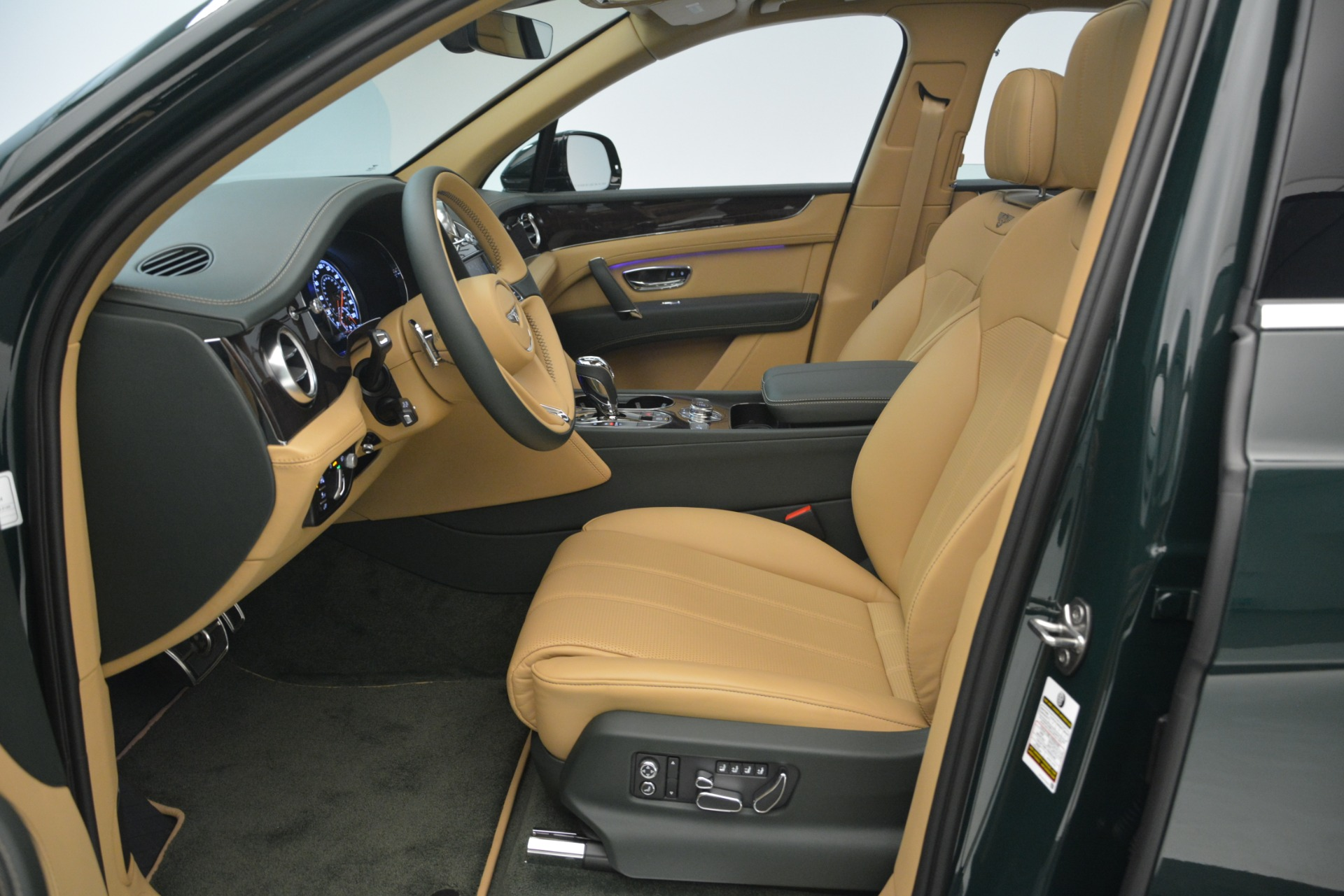 New 2019 Bentley Bentayga V8 For Sale In Greenwich, CT 2541_p19