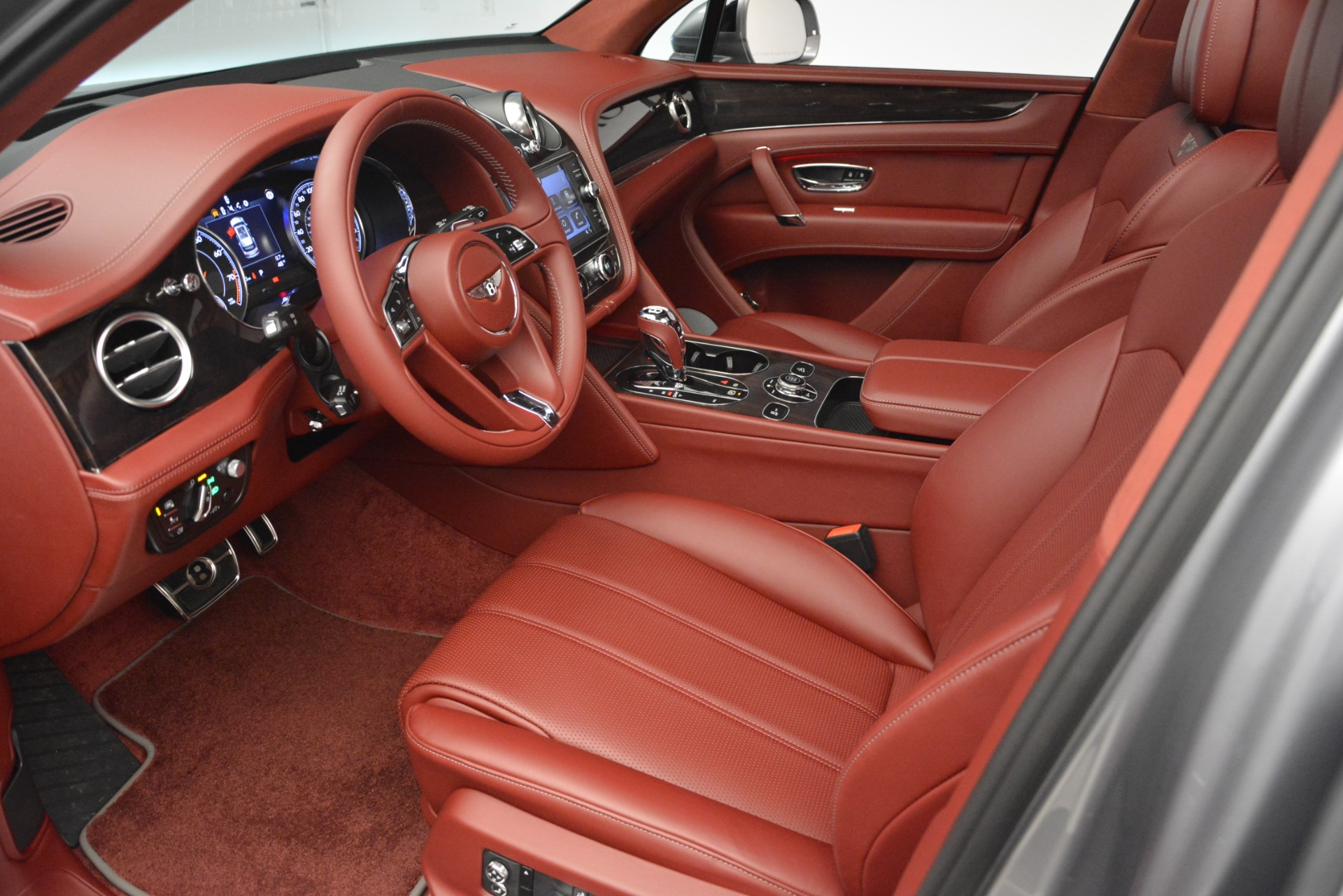New 2019 Bentley Bentayga V8 For Sale In Greenwich, CT 2542_p17
