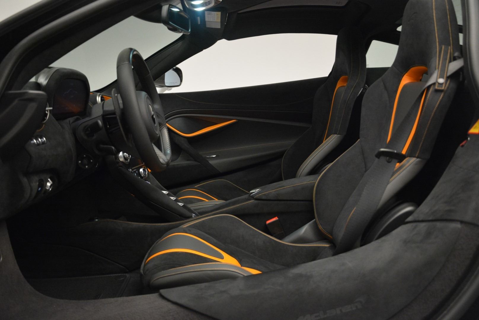 Used 2019 McLaren 720S Coupe For Sale In Greenwich, CT 2543_p16