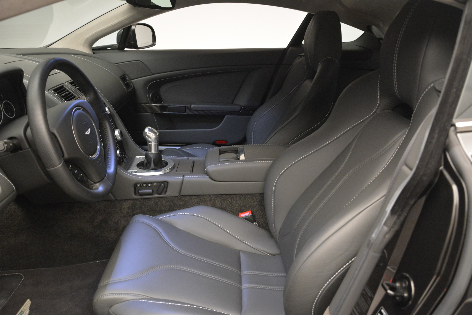 Used 2012 Aston Martin V12 Vantage Coupe For Sale In Greenwich, CT 2544_p13