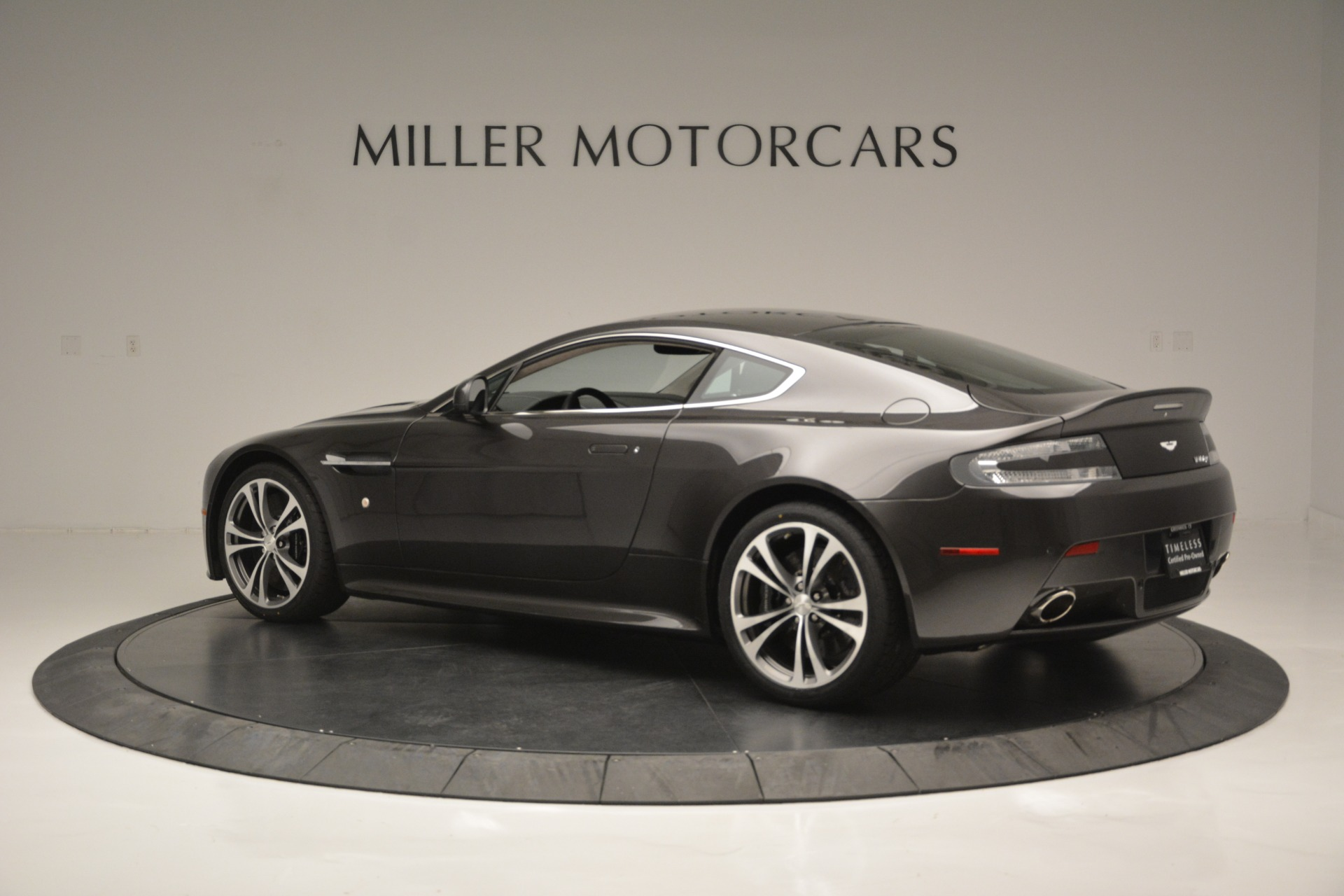 Used 2012 Aston Martin V12 Vantage Coupe For Sale In Greenwich, CT 2544_p4