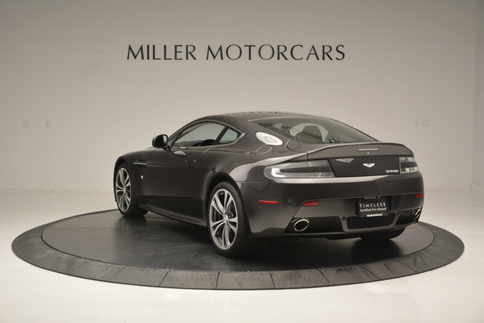 Used 2012 Aston Martin V12 Vantage Coupe For Sale In Greenwich, CT 2544_p5