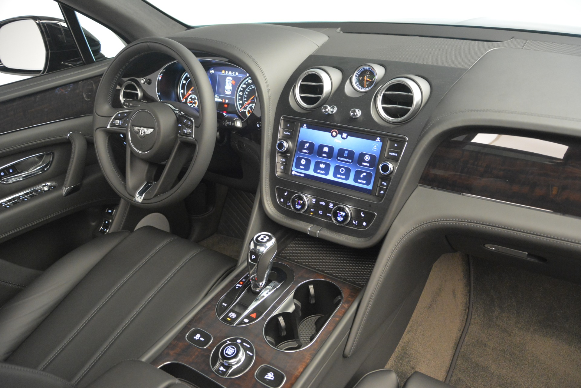 New 2019 Bentley Bentayga V8 For Sale In Greenwich, CT 2545_p21