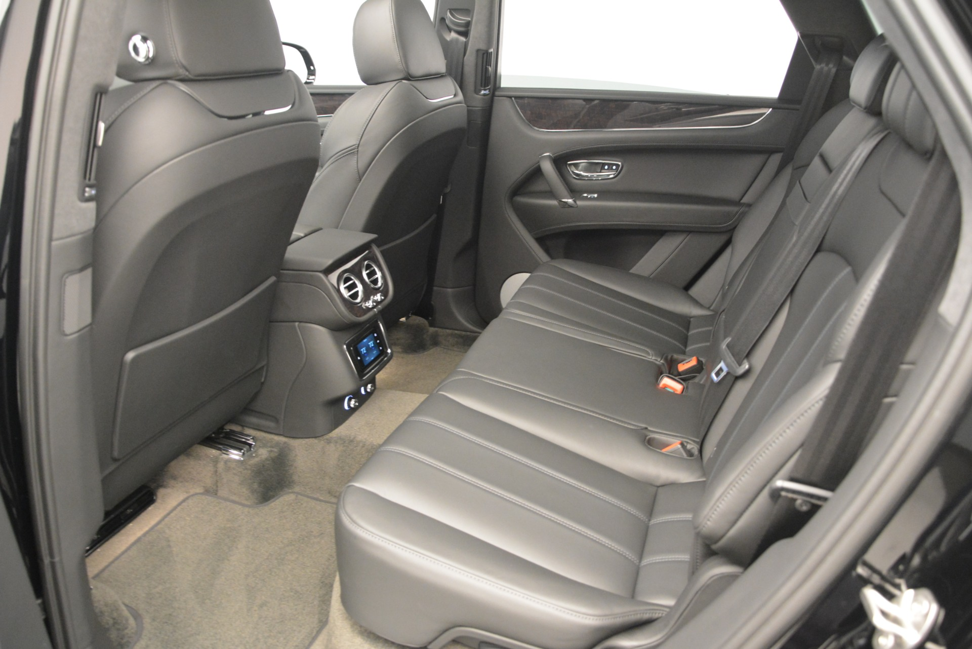 New 2019 Bentley Bentayga V8 For Sale In Greenwich, CT 2545_p23