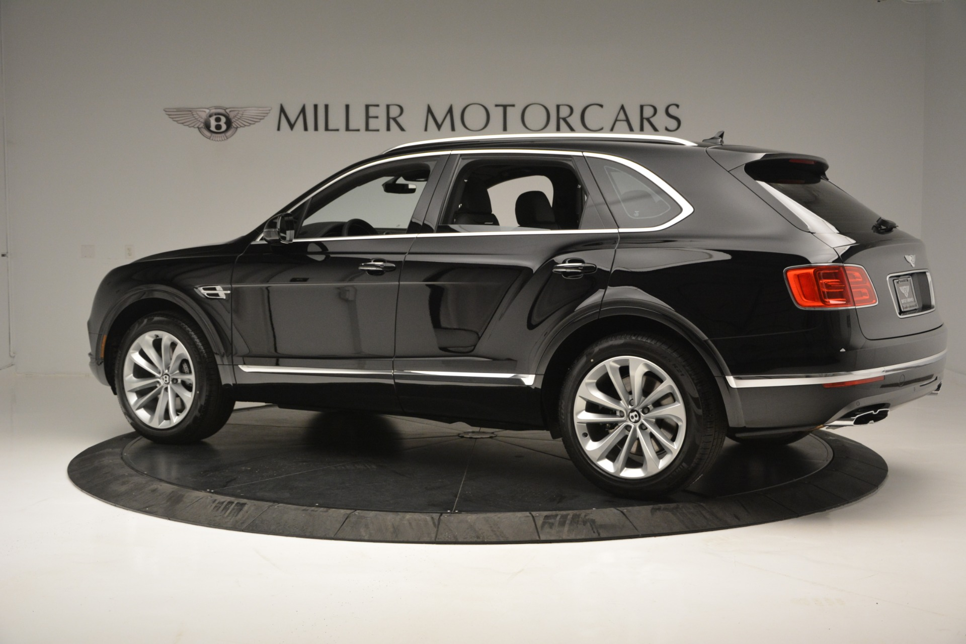 New 2019 Bentley Bentayga V8 For Sale In Greenwich, CT 2545_p4