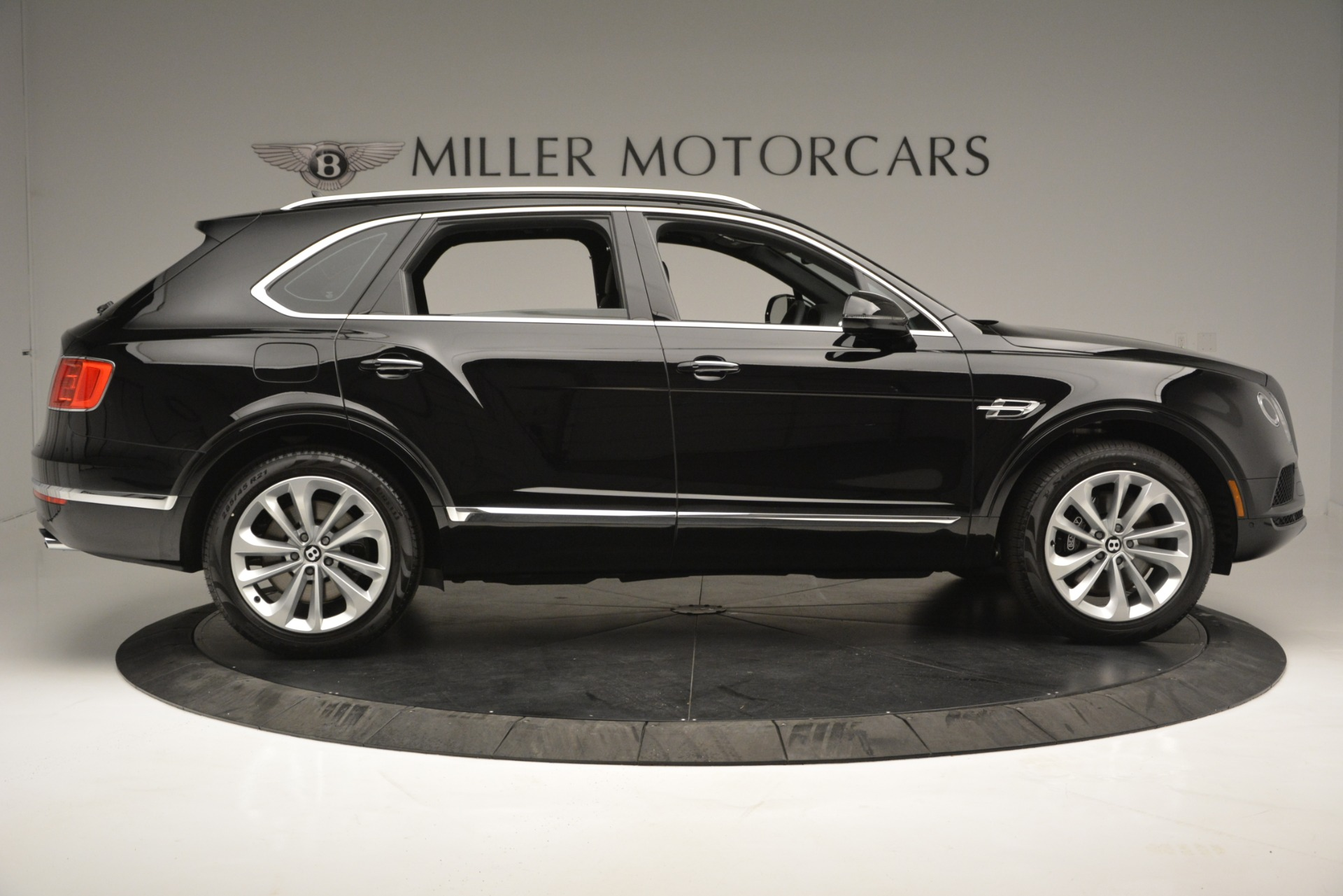 New 2019 Bentley Bentayga V8 For Sale In Greenwich, CT 2545_p9