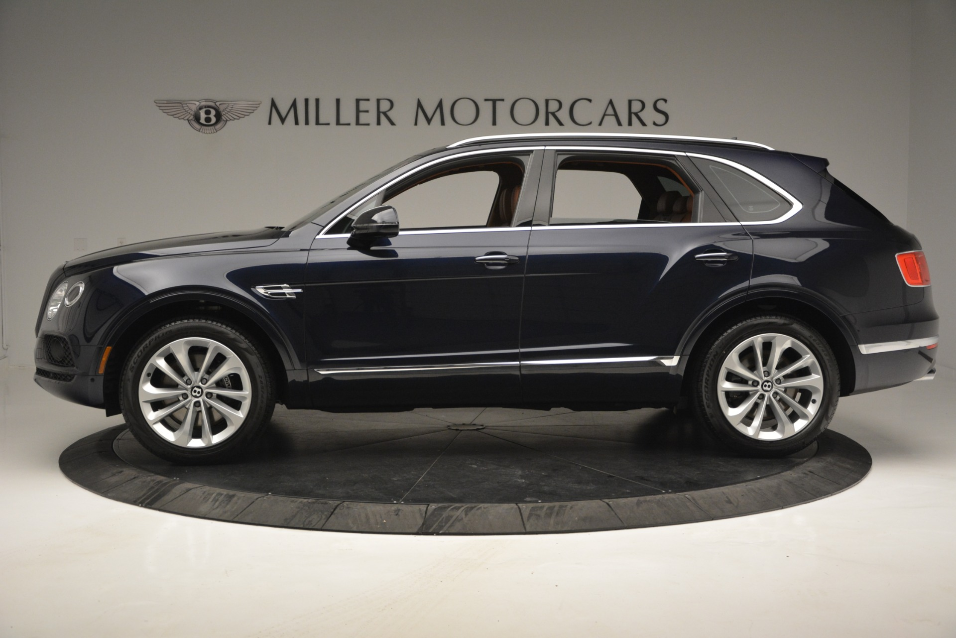New 2019 Bentley Bentayga V8 For Sale In Greenwich, CT 2548_p3