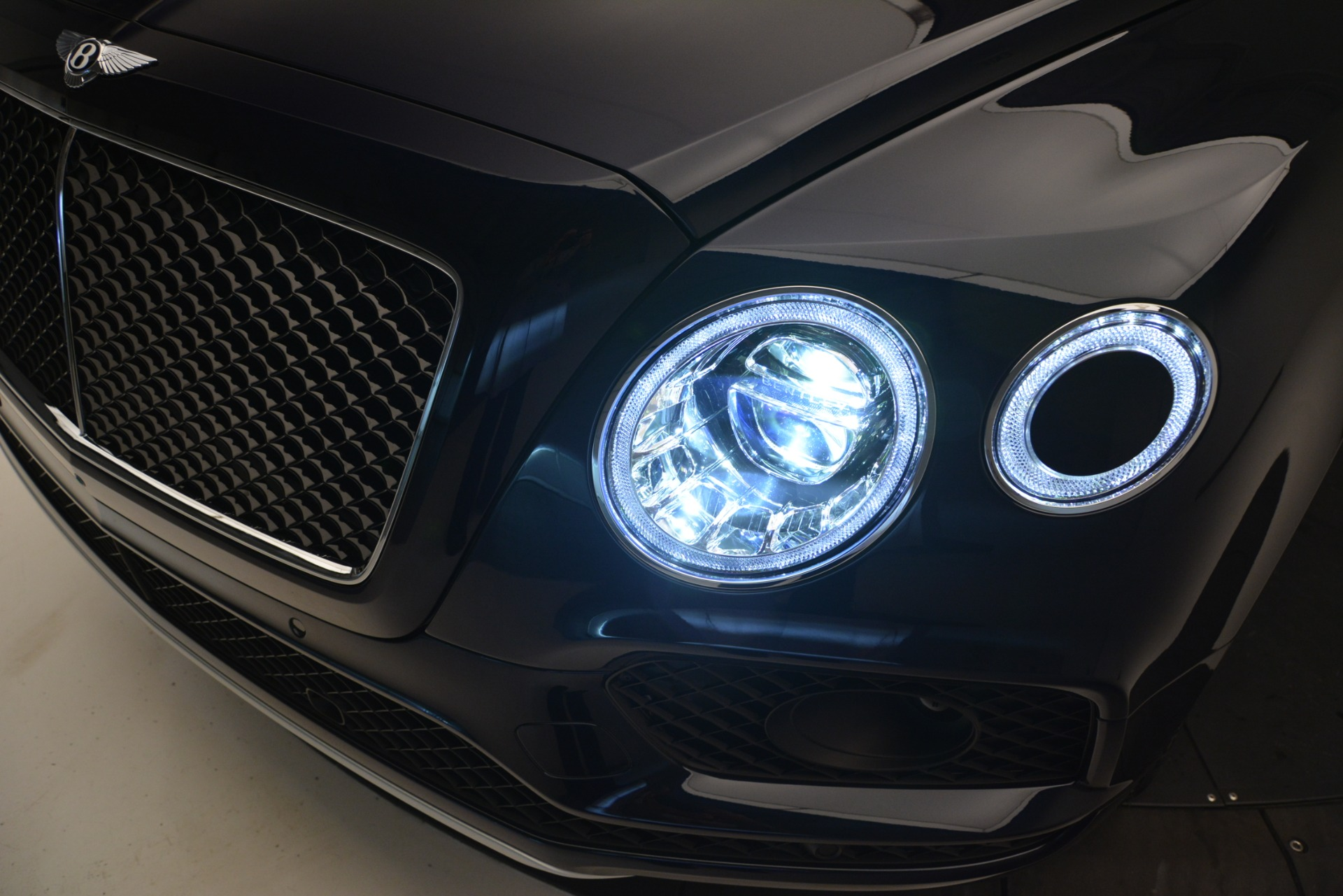 New 2019 Bentley Bentayga V8 For Sale In Greenwich, CT 2549_p14