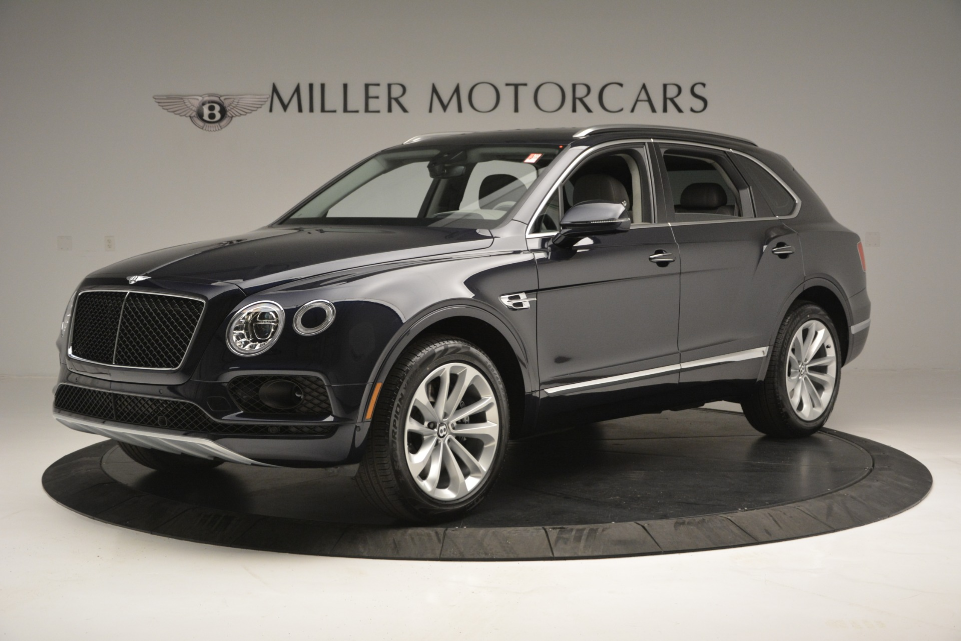 New 2019 Bentley Bentayga V8 For Sale In Greenwich, CT 2549_p2