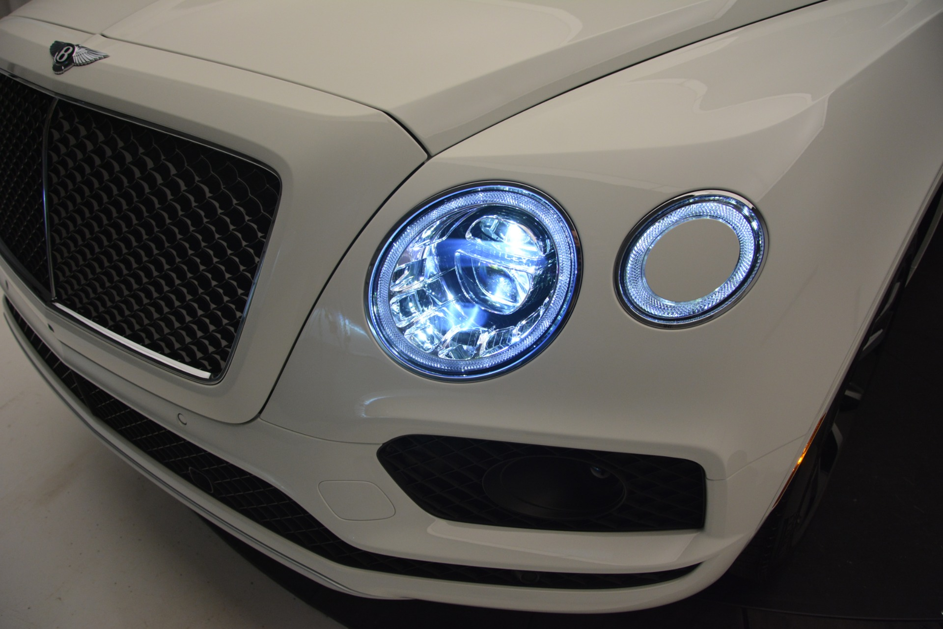 New 2019 Bentley Bentayga V8 For Sale In Greenwich, CT 2550_p14