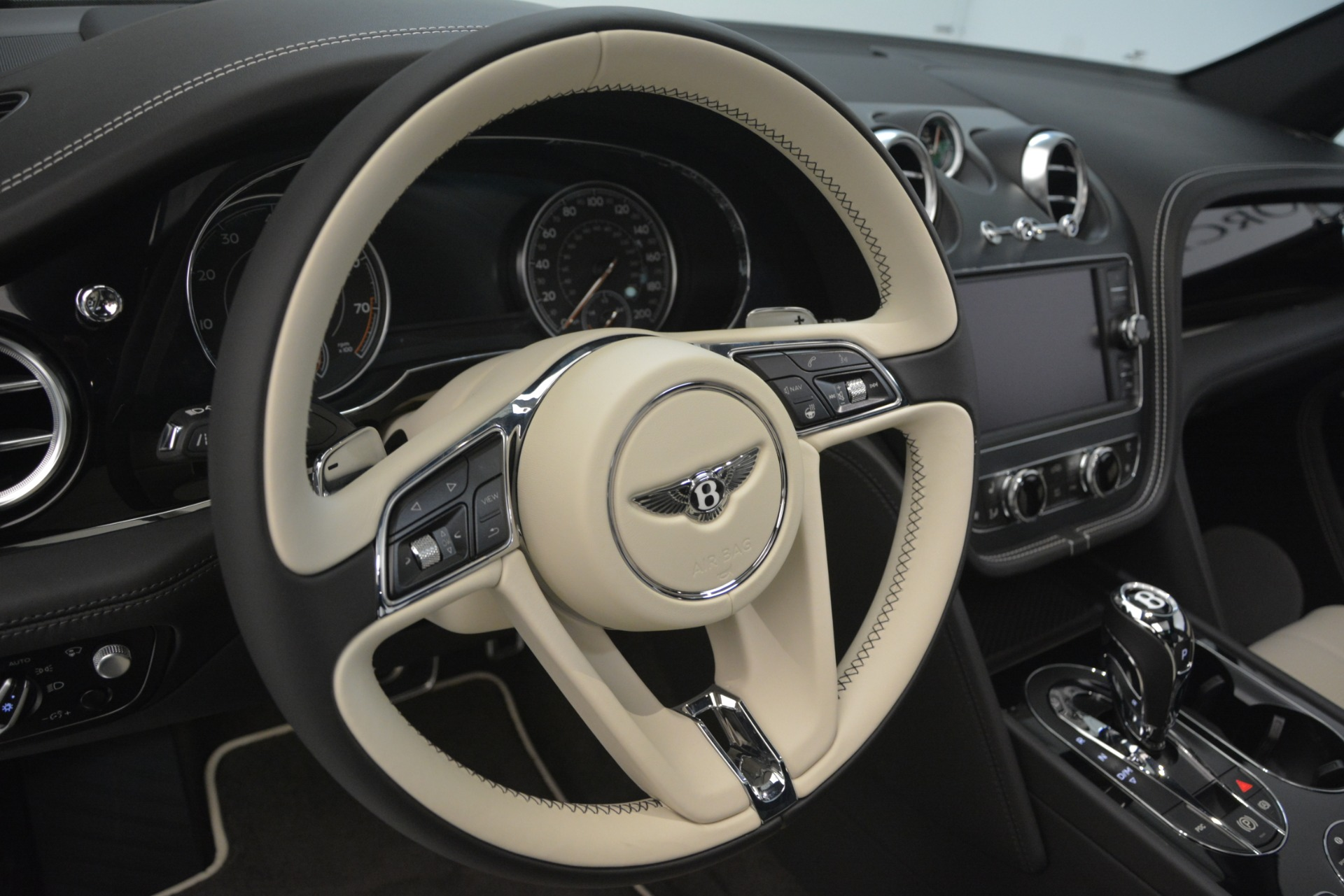 New 2019 Bentley Bentayga V8 For Sale In Greenwich, CT 2550_p22