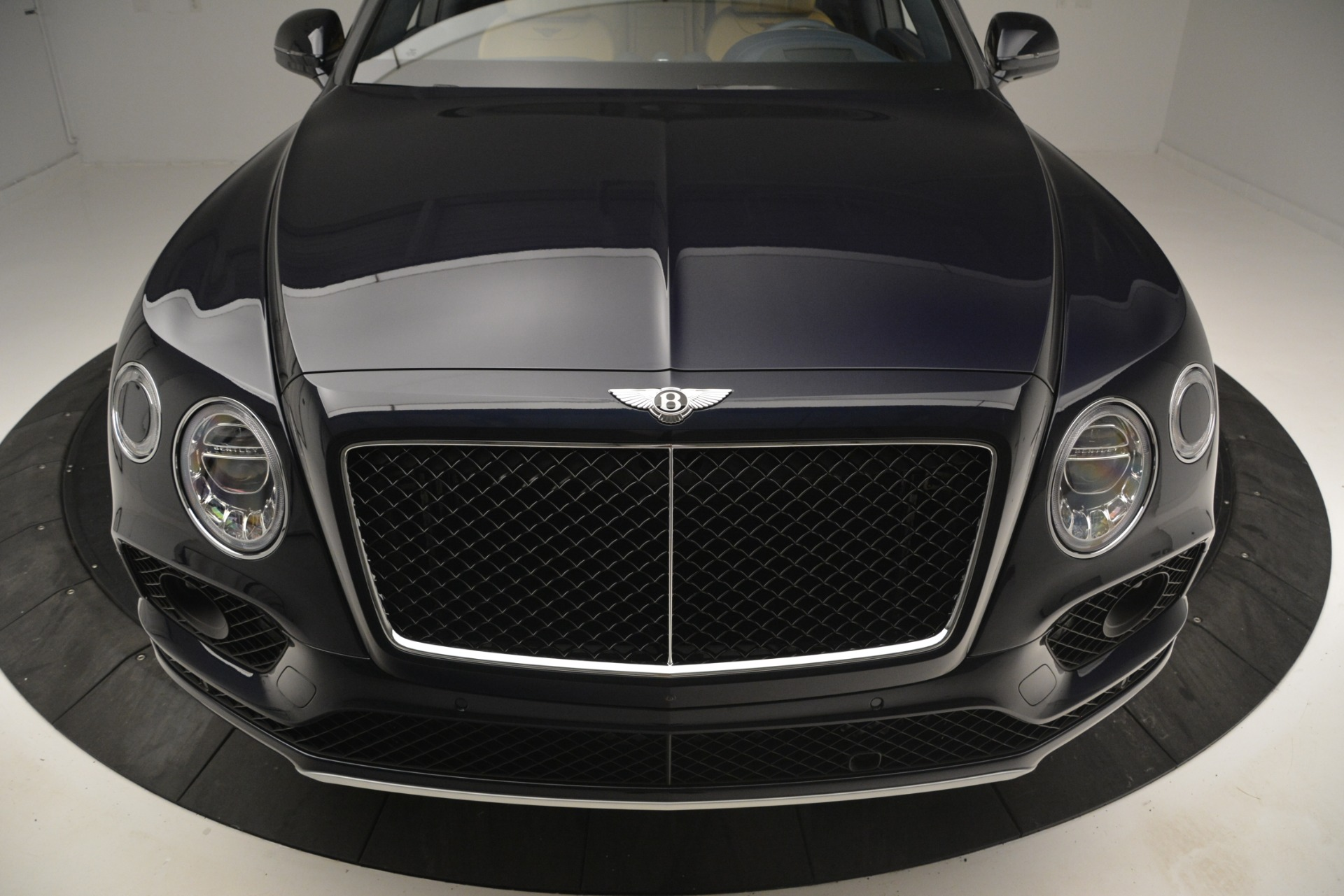 New 2019 Bentley Bentayga V8 For Sale In Greenwich, CT 2551_p13