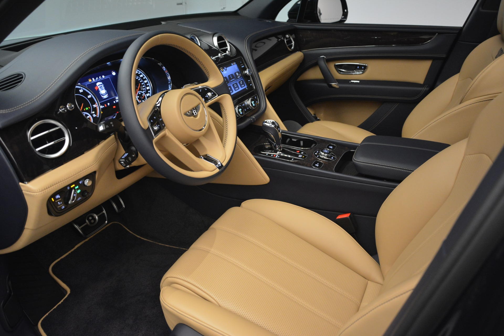 New 2019 Bentley Bentayga V8 For Sale In Greenwich, CT 2551_p17