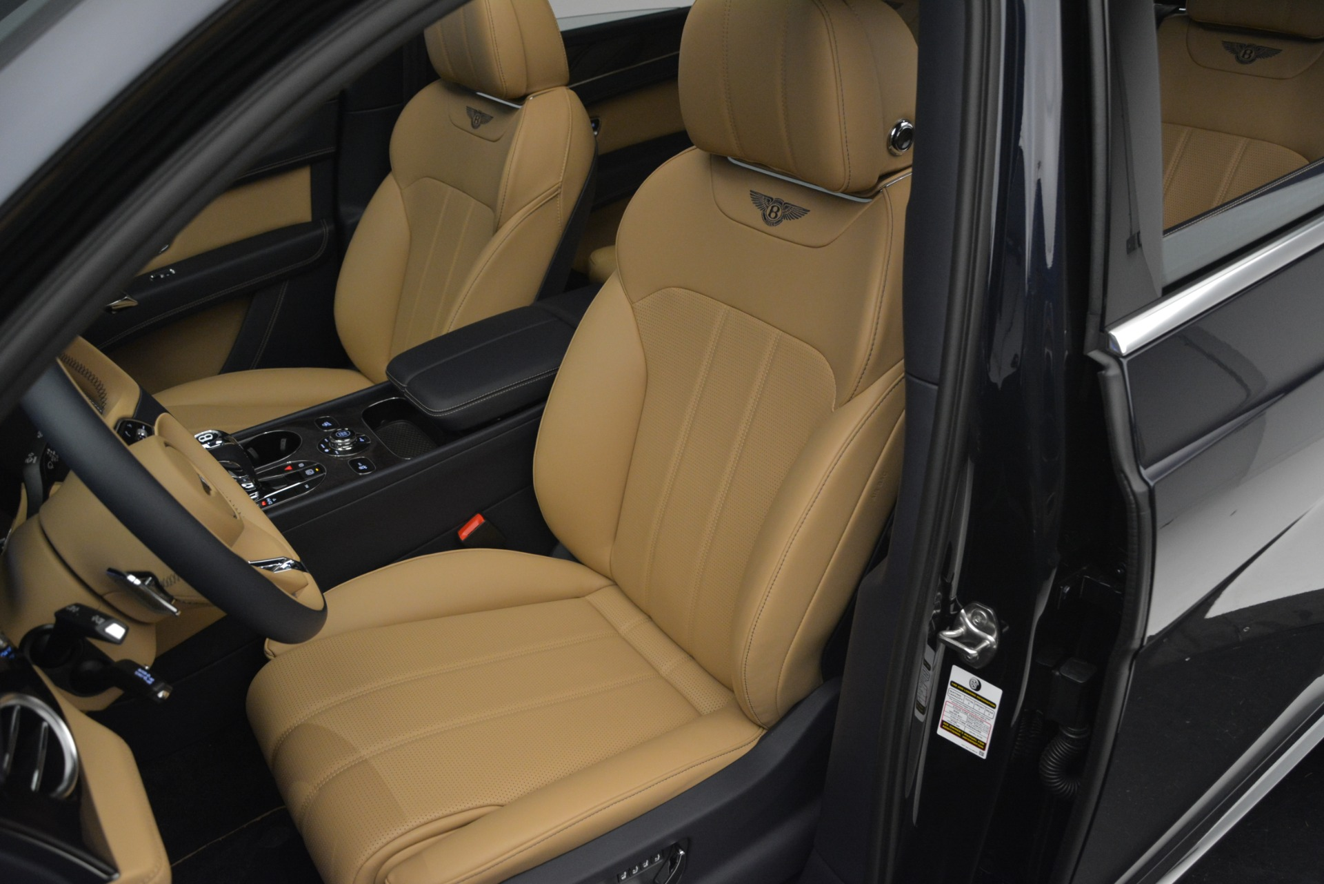 New 2019 Bentley Bentayga V8 For Sale In Greenwich, CT 2551_p19