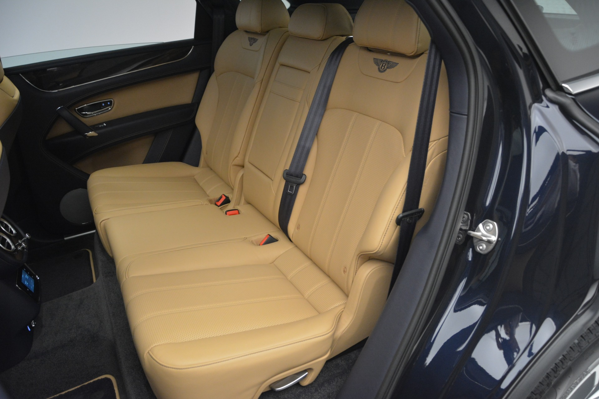 New 2019 Bentley Bentayga V8 For Sale In Greenwich, CT 2551_p25