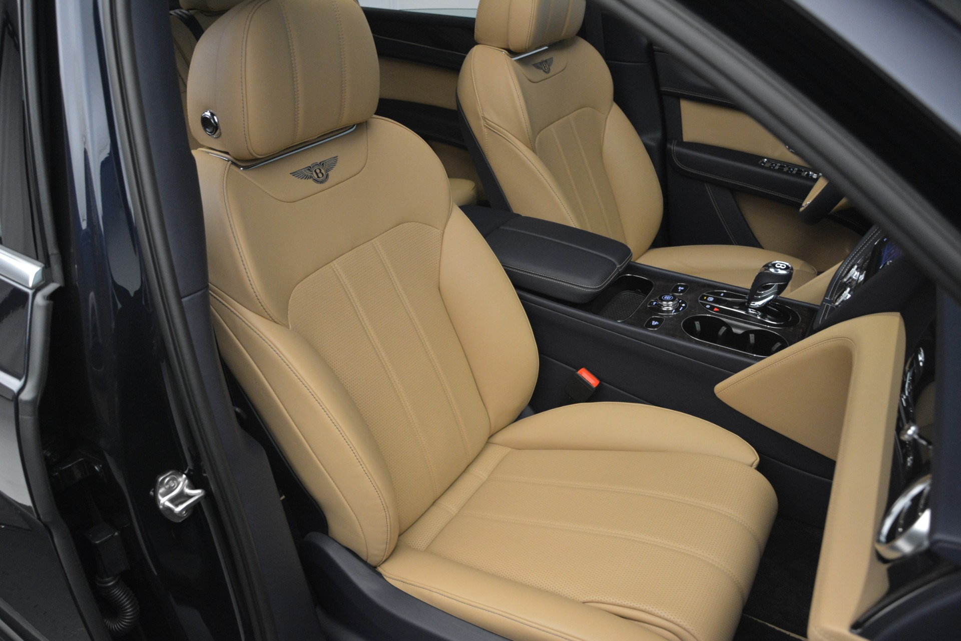 New 2019 Bentley Bentayga V8 For Sale In Greenwich, CT 2551_p29