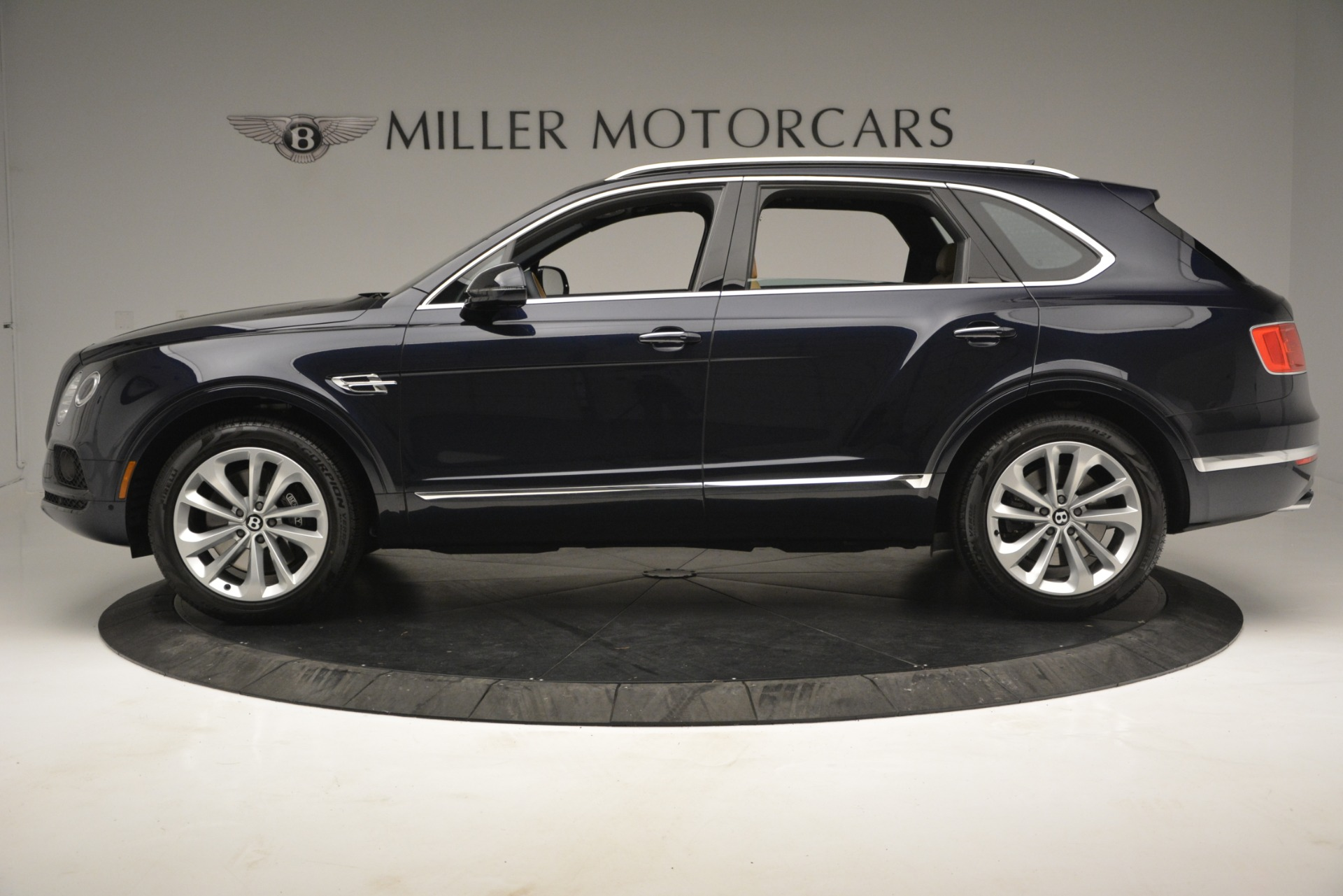 New 2019 Bentley Bentayga V8 For Sale In Greenwich, CT 2551_p3