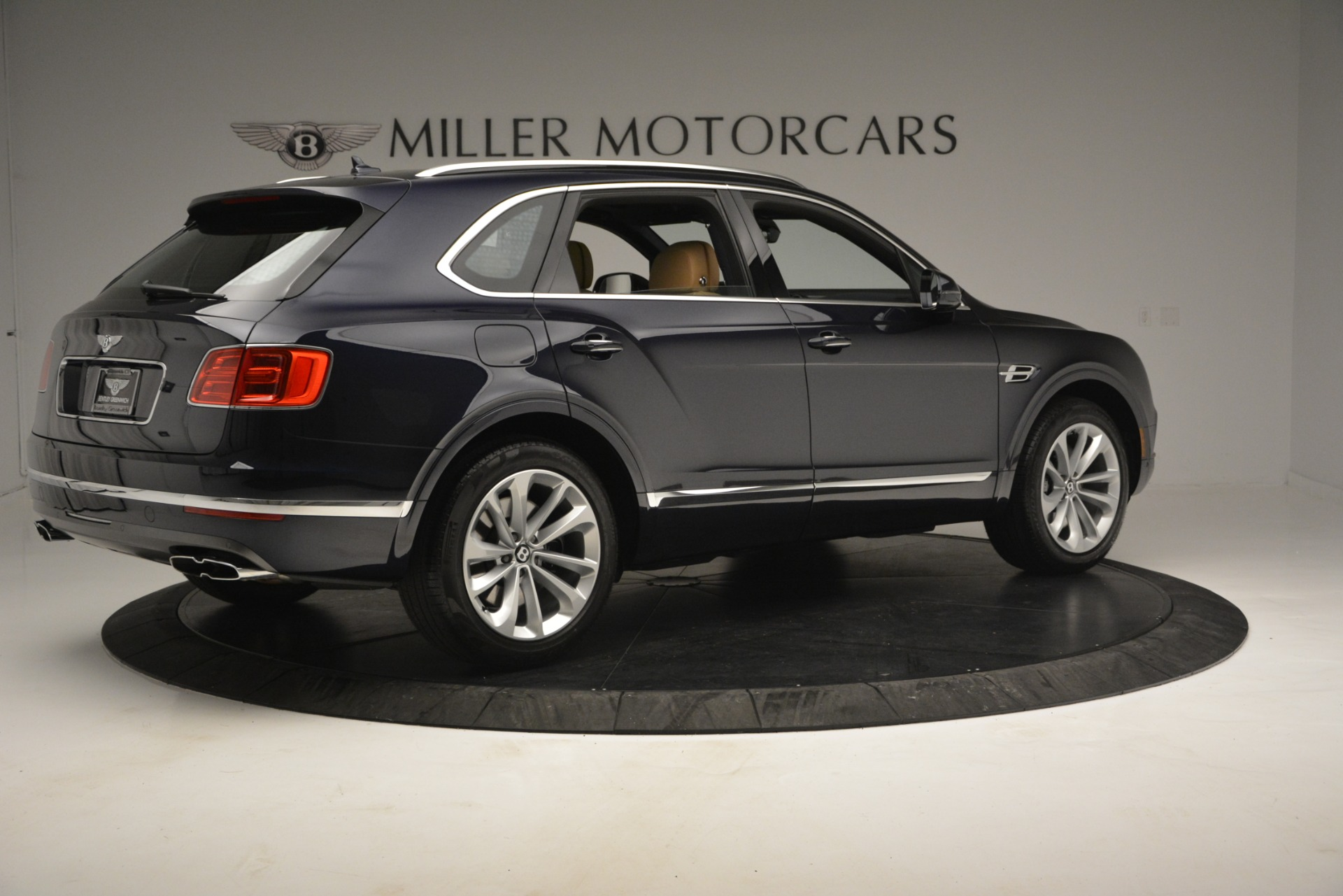 New 2019 Bentley Bentayga V8 For Sale In Greenwich, CT 2551_p8