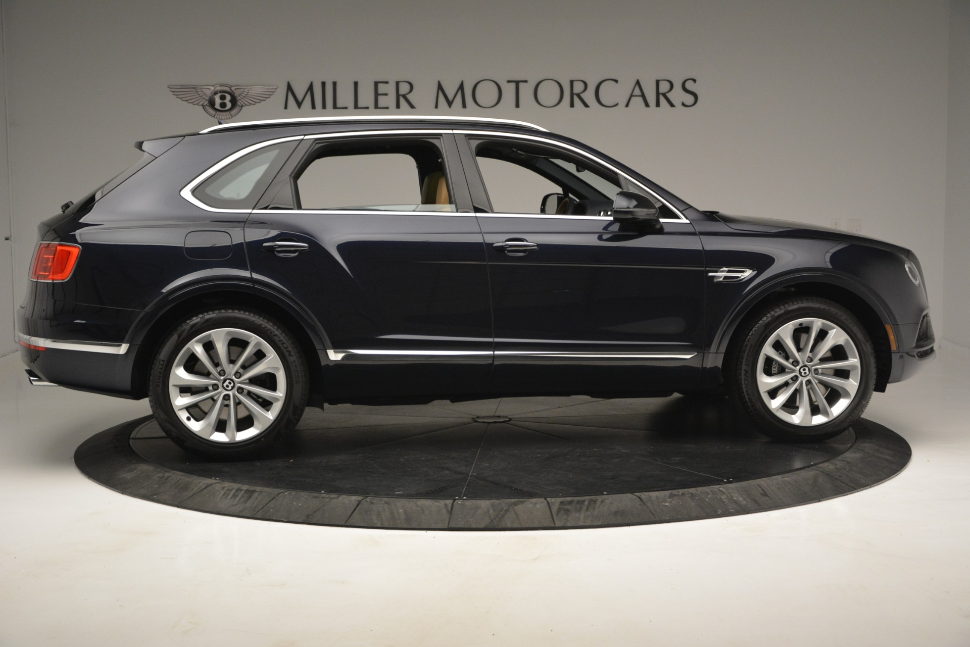 New 2019 Bentley Bentayga V8 For Sale In Greenwich, CT 2551_p9