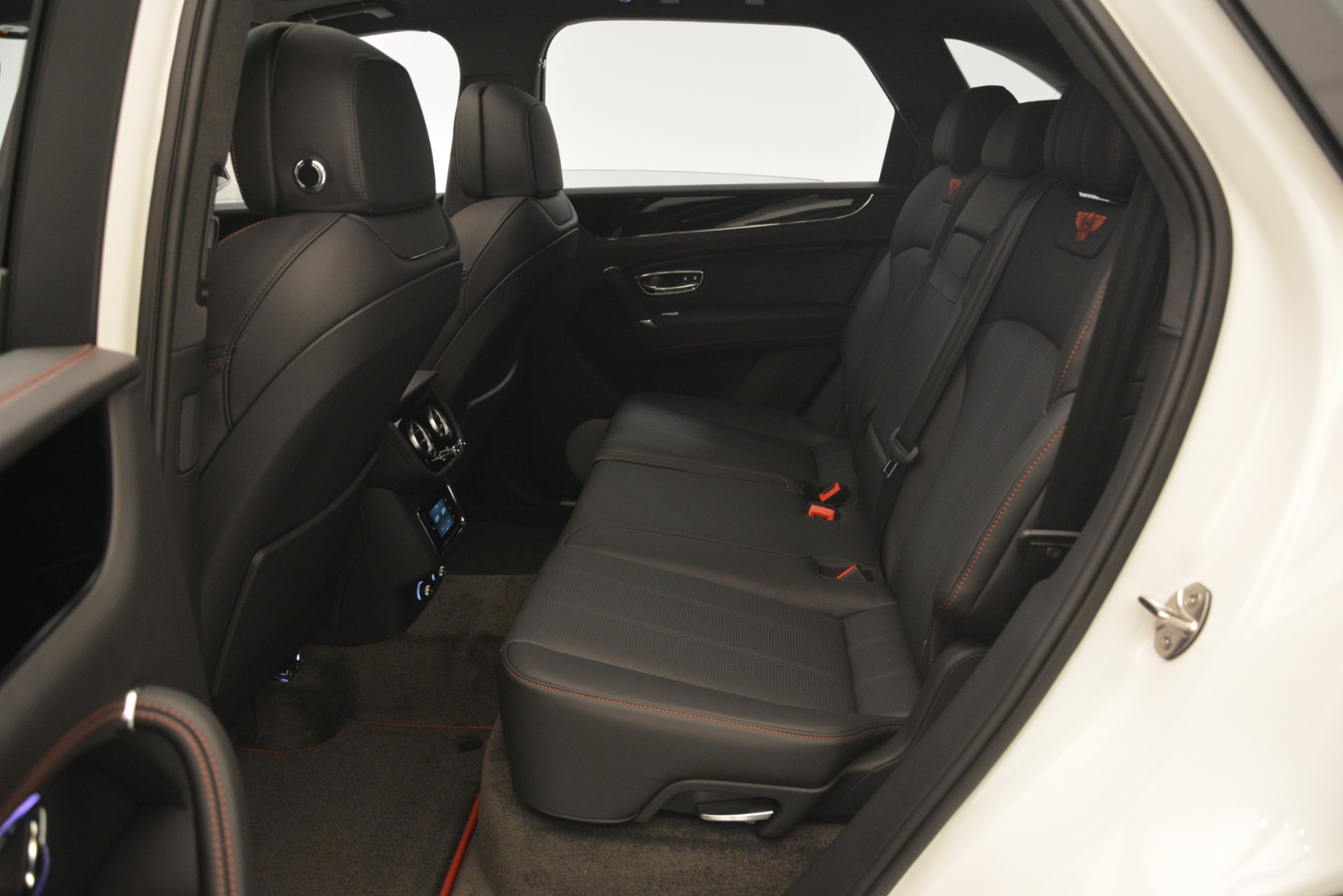 New 2019 Bentley Bentayga V8 For Sale In Greenwich, CT 2553_p26